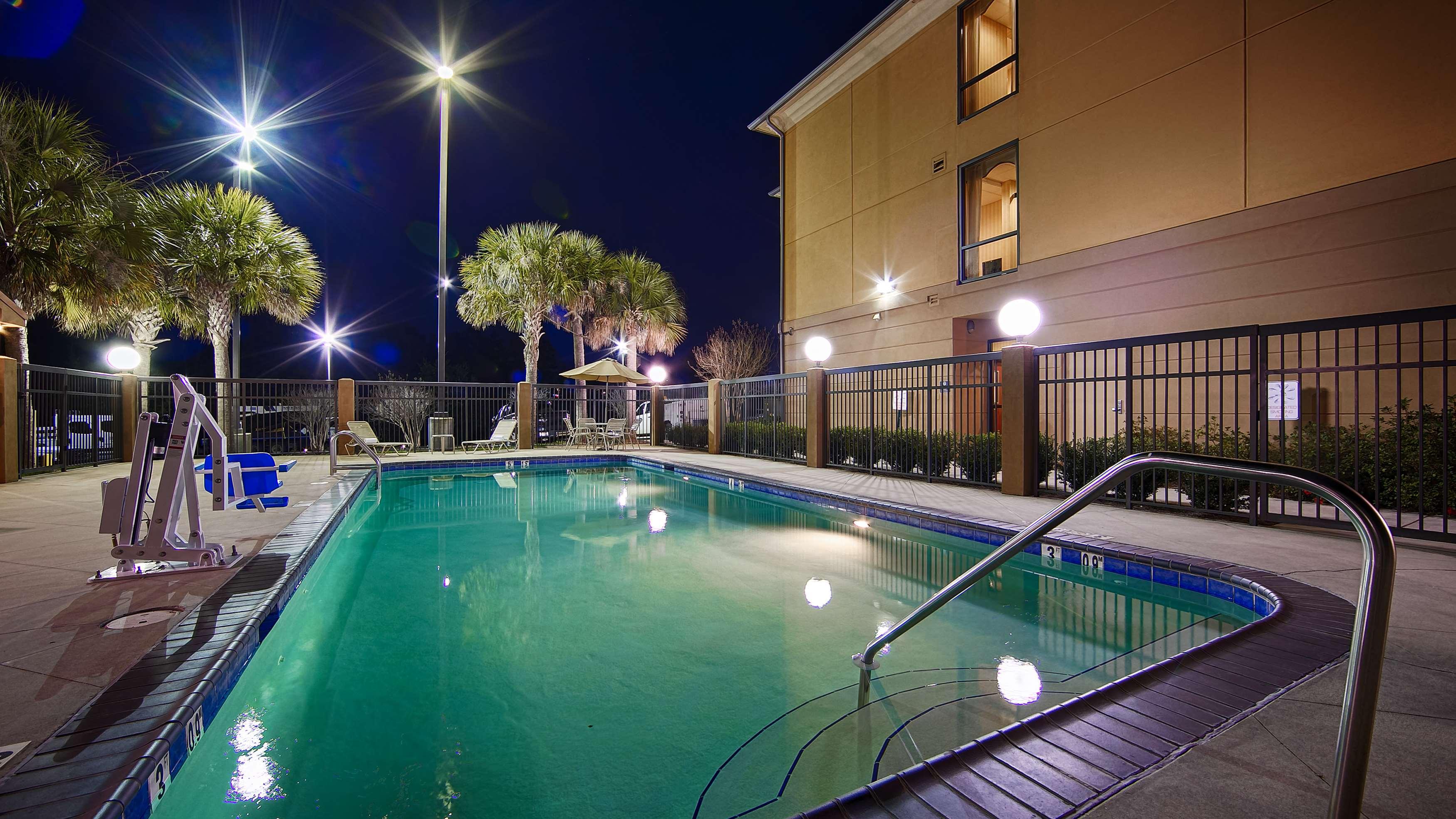 Best Western Plus Daphne Inn & Suites image 23