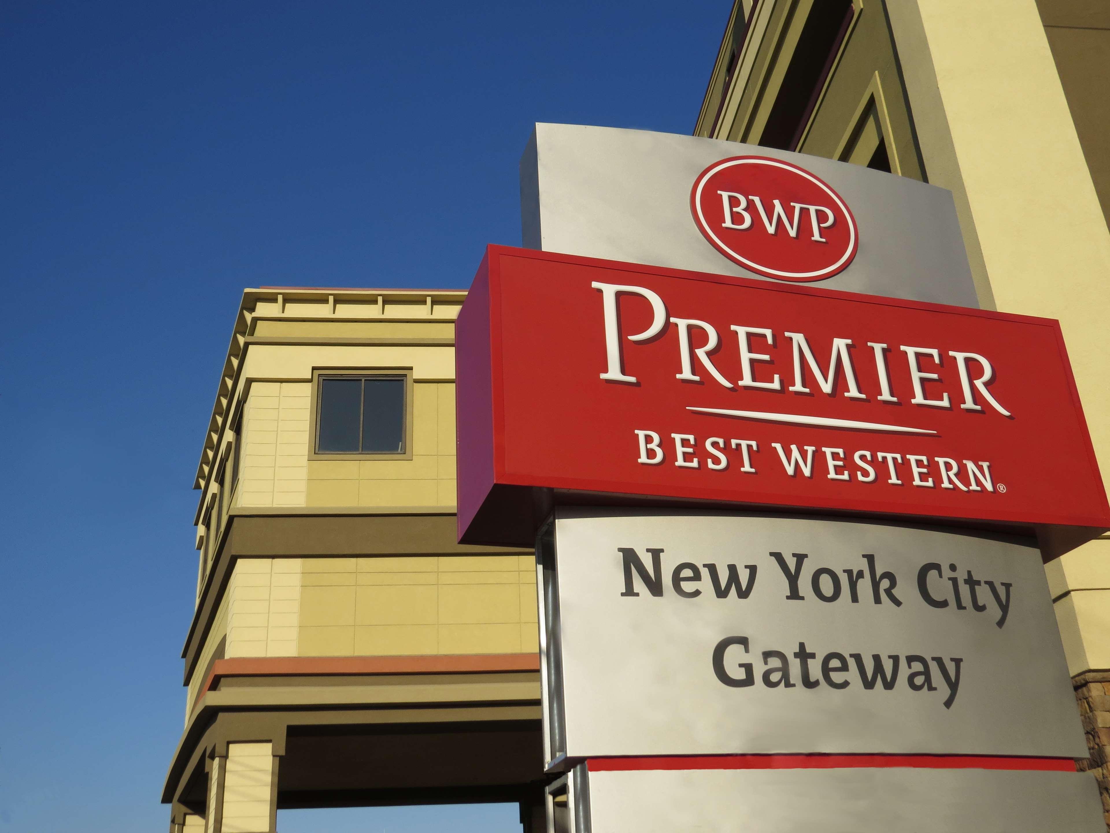 Best Western Premier NYC Gateway Hotel image 0