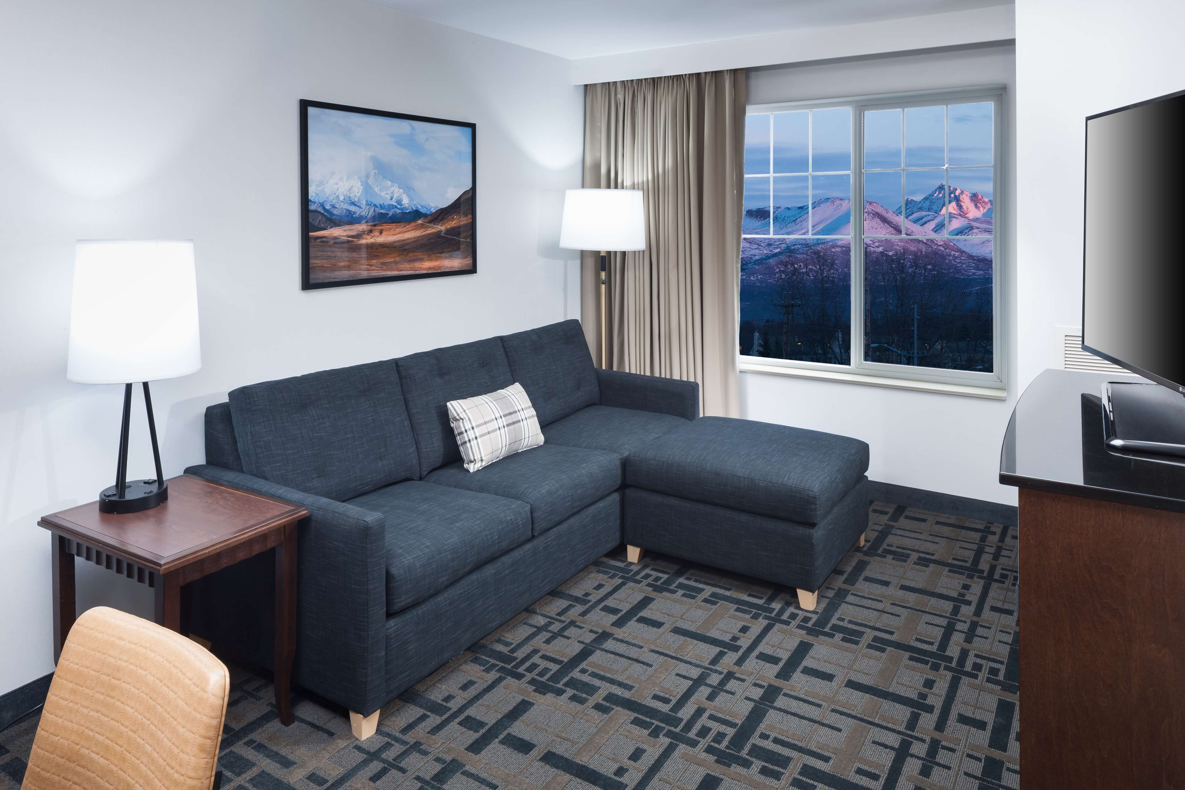 Embassy Suites by Hilton Anchorage image 22