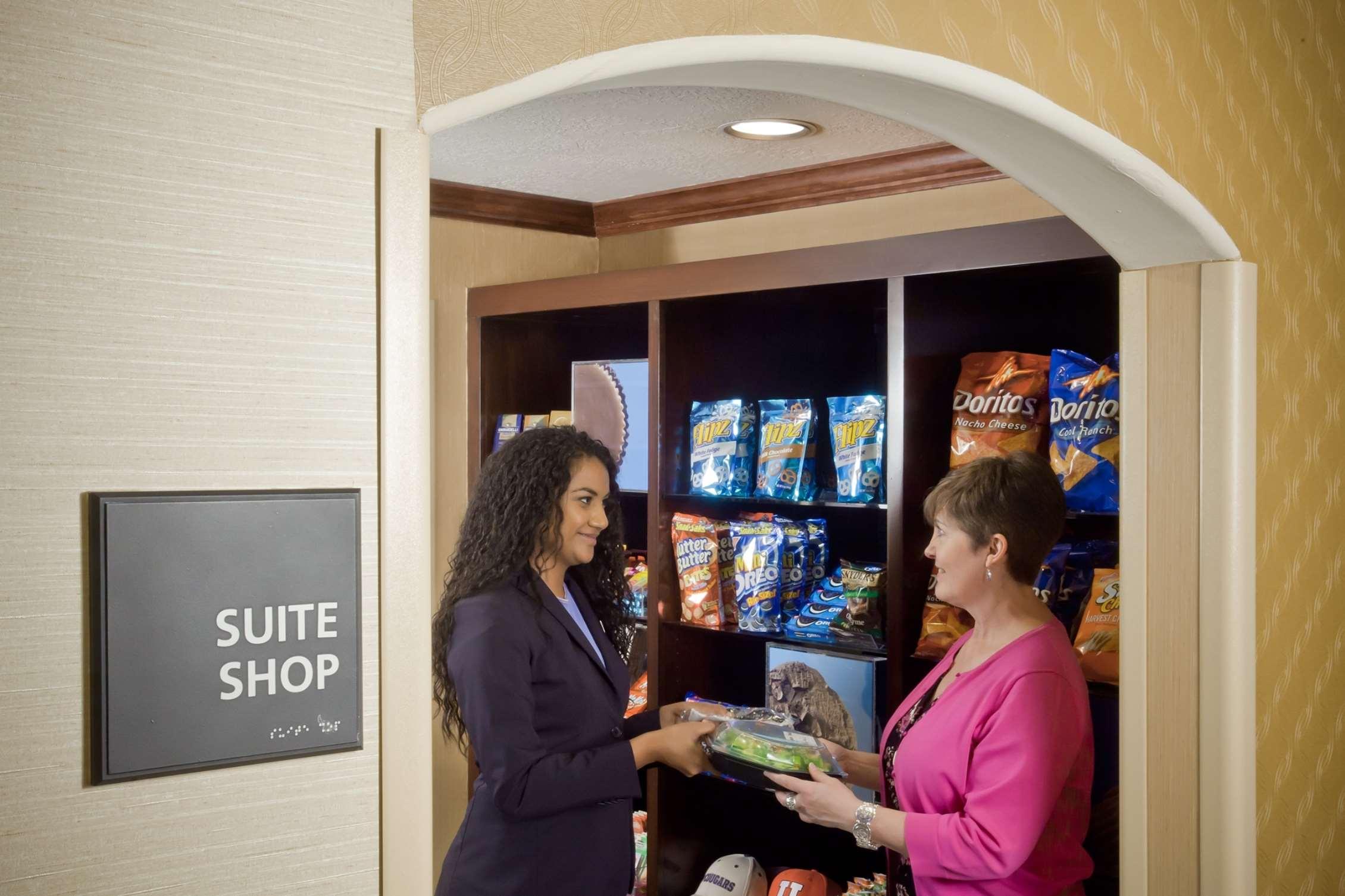 Hampton Inn & Suites Salt Lake City Airport image 7