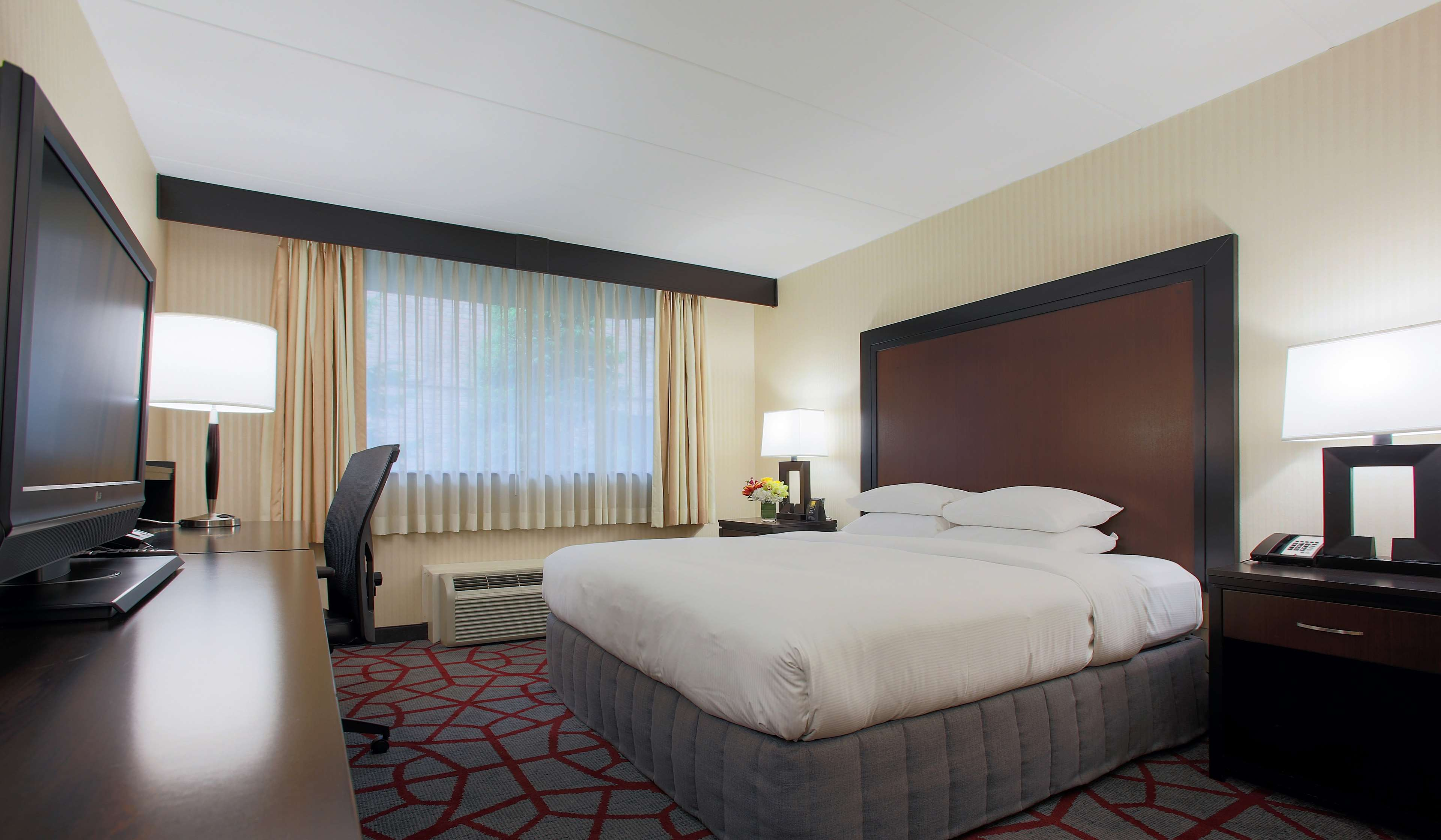 DoubleTree by Hilton Hotel Chicago - Alsip image 10