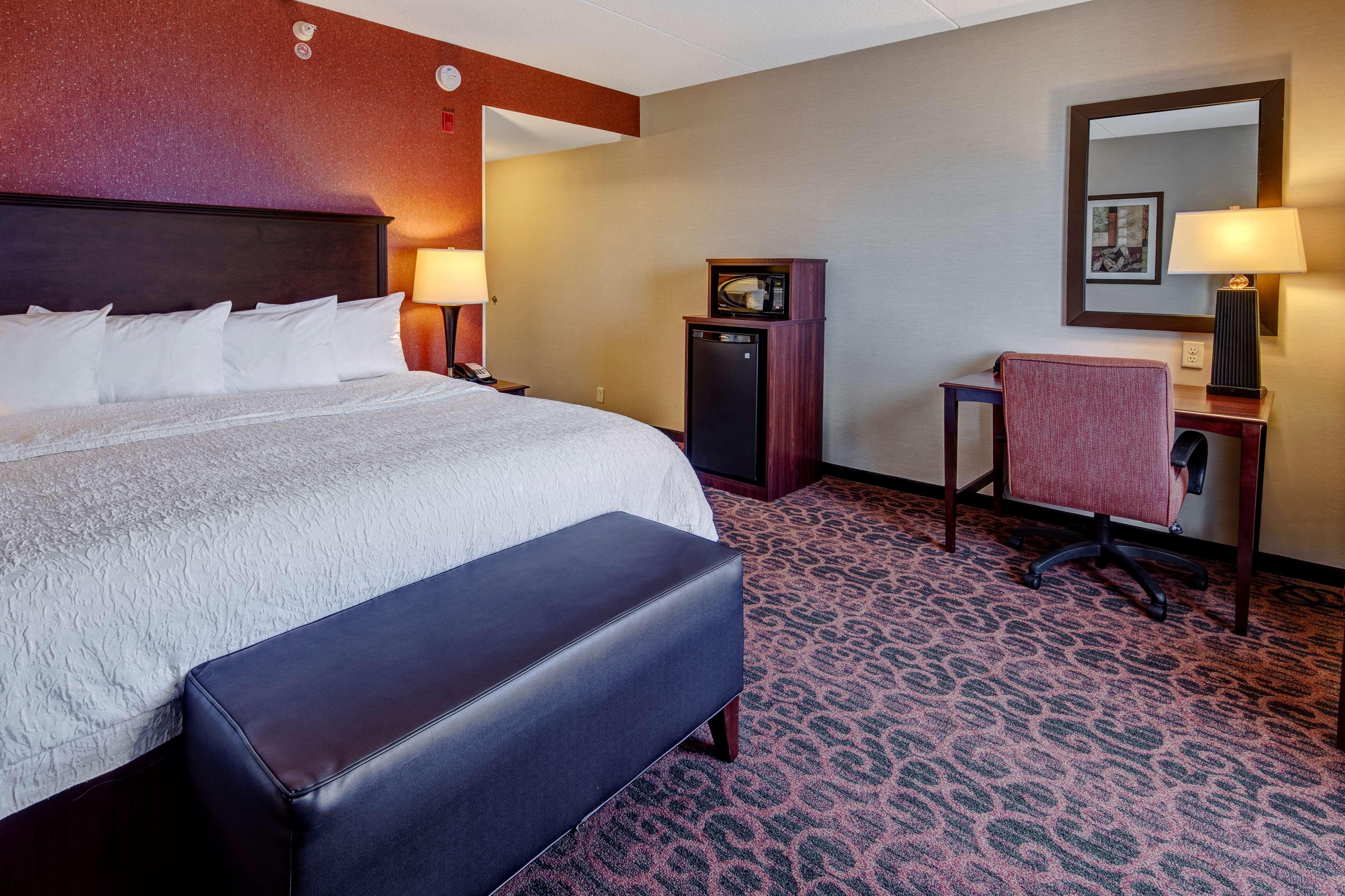 Hampton Inn Suites Minneapolis St Paul Arpt-Mall of America image 14