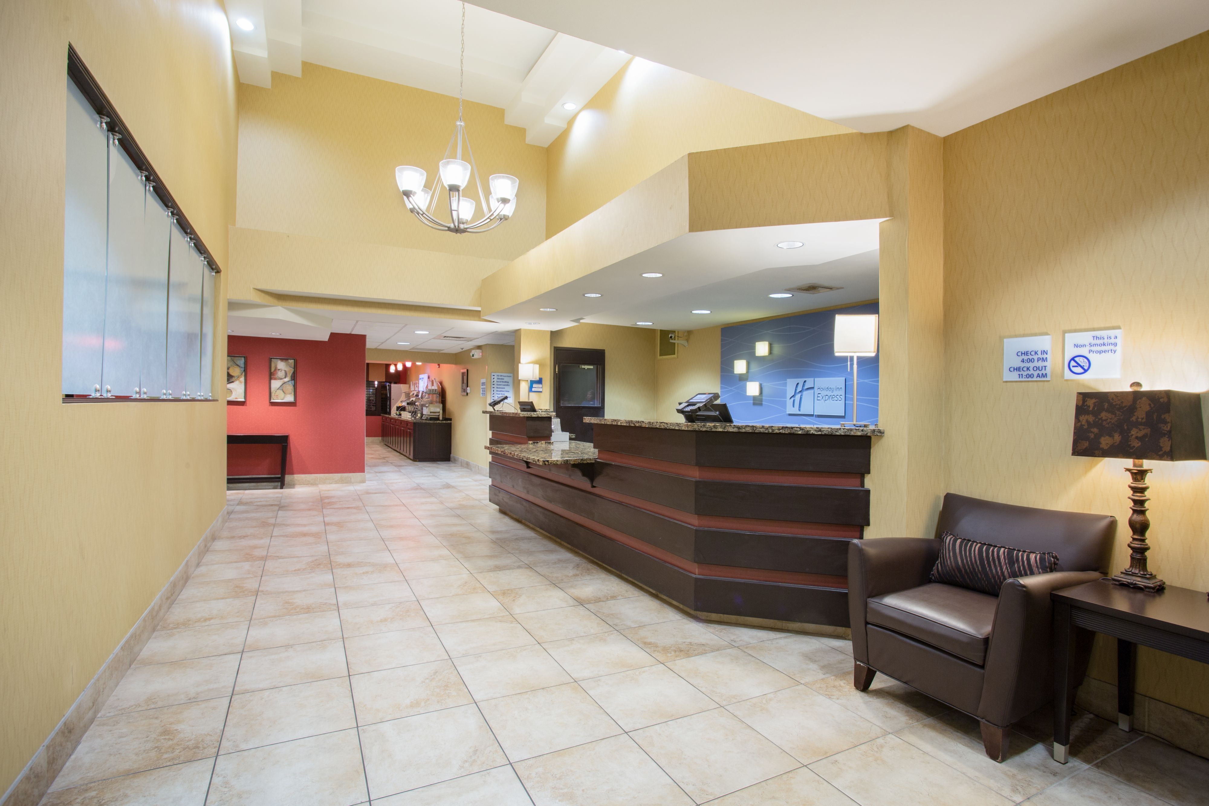 Holiday Inn Express & Suites Phoenix Tempe - University image 1