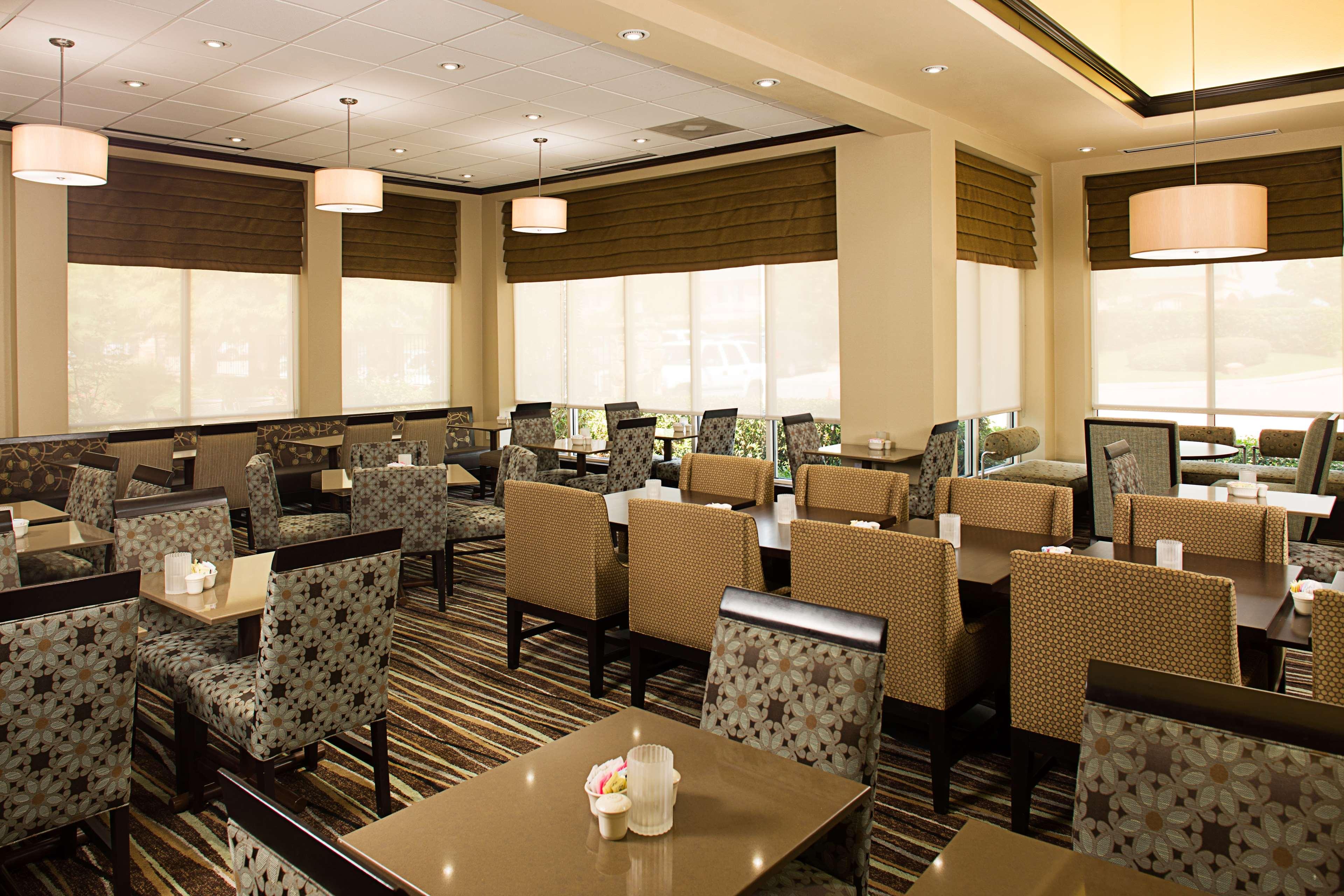 Hilton Garden Inn DFW Airport South image 16