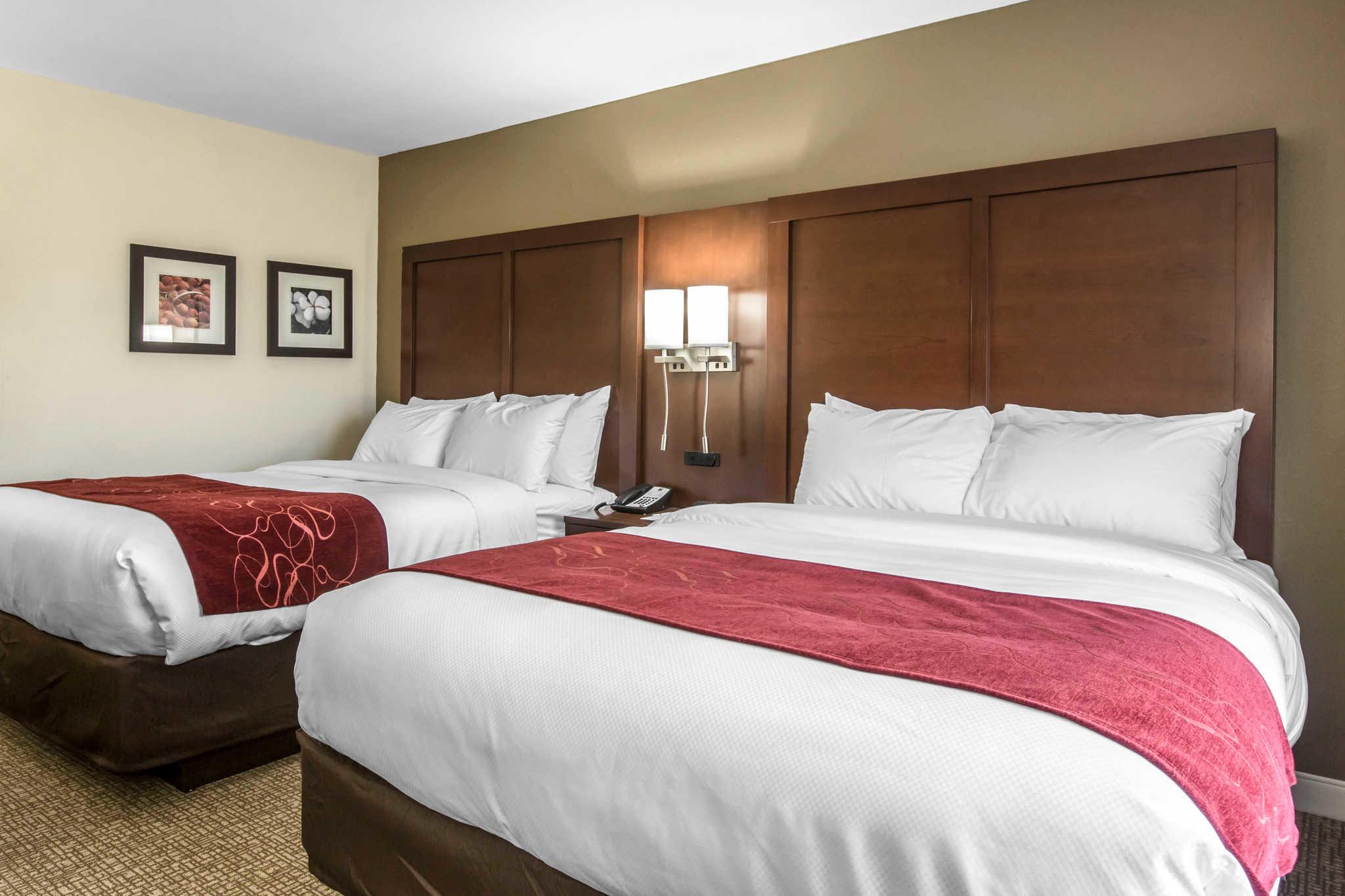 Comfort Inn & Suites West image 17
