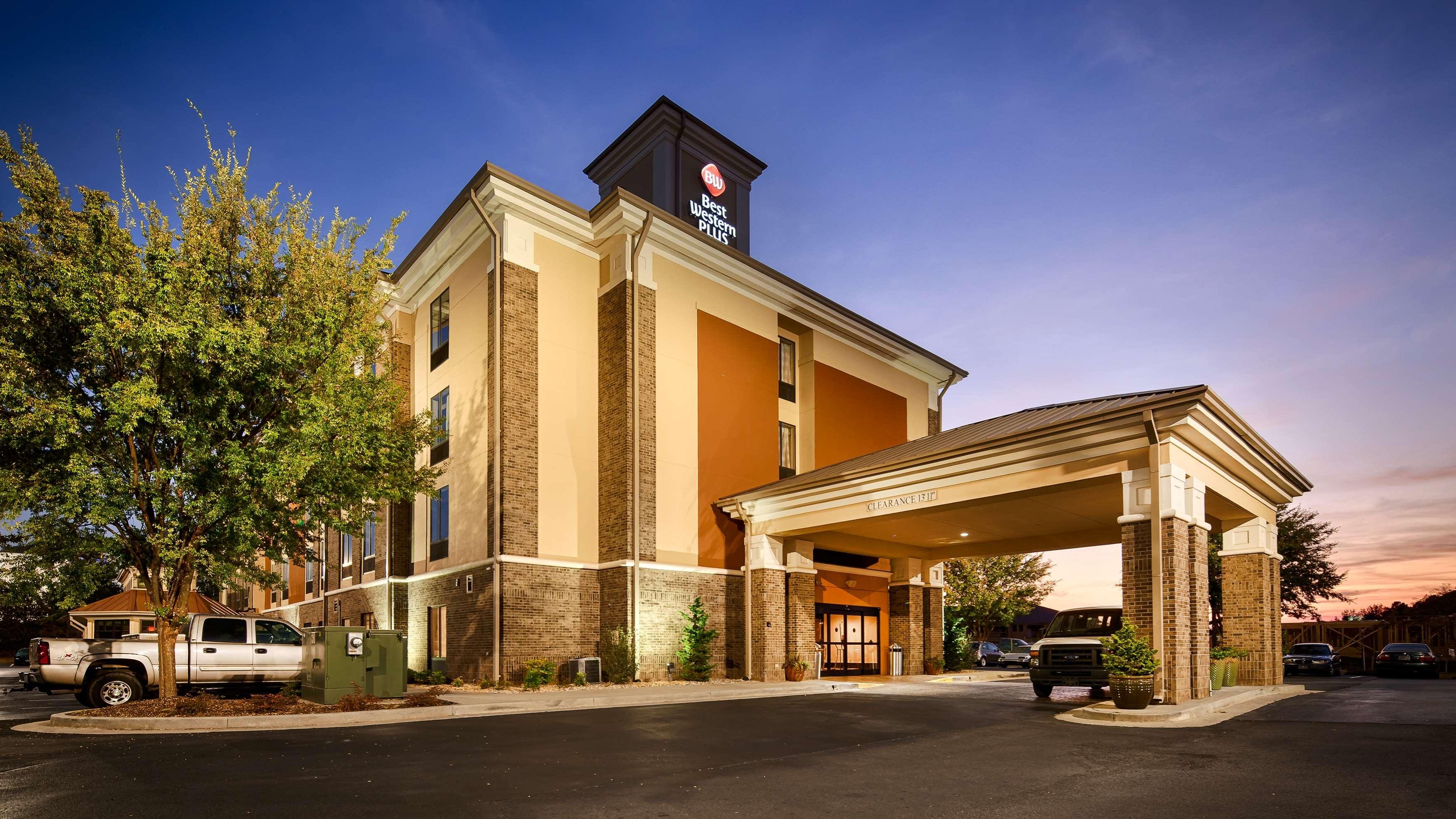 Best Western Plus Fairburn-Atlanta Southwest image 2