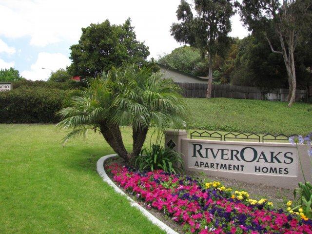 River Oaks image 31