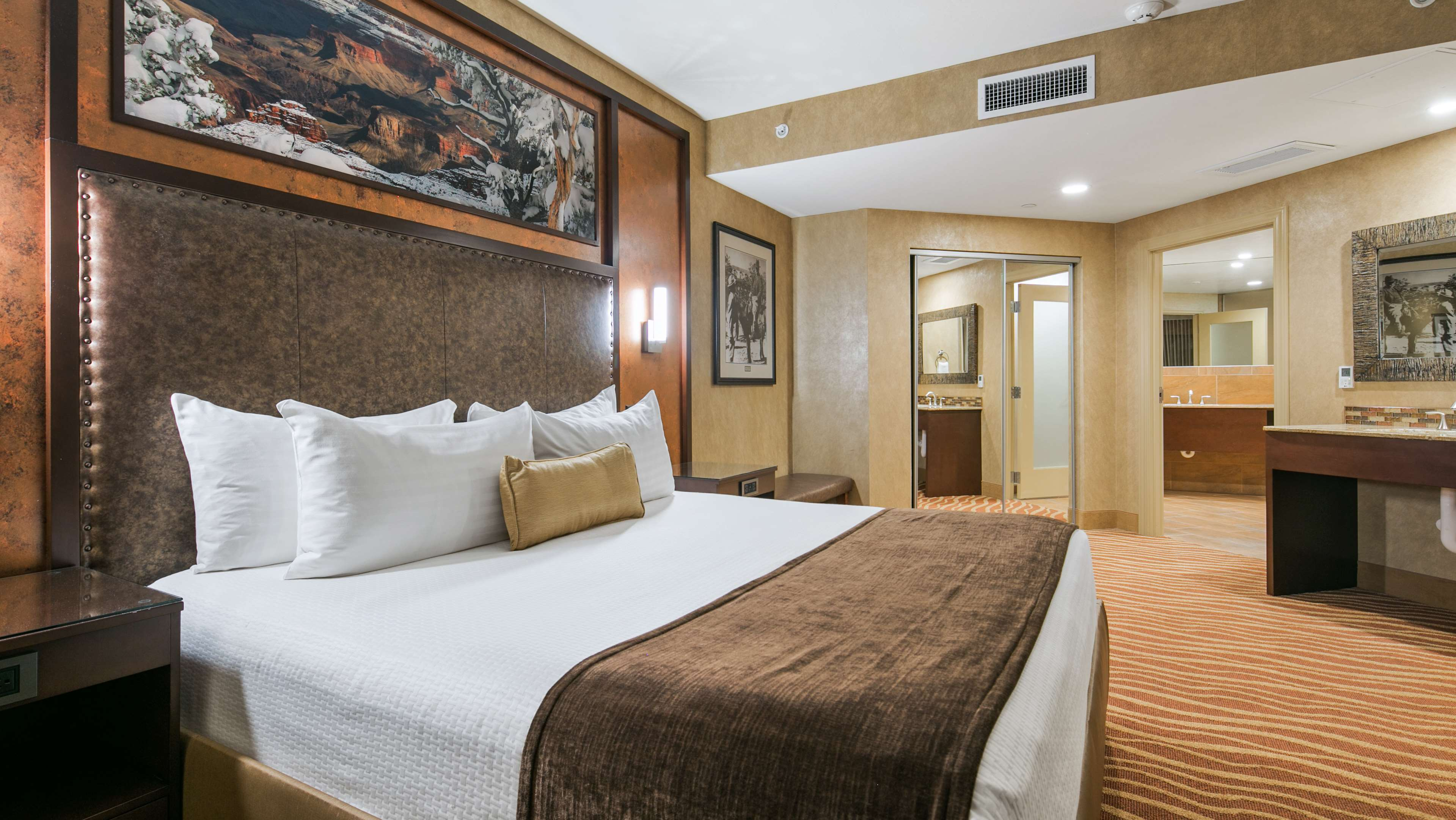Best Western Premier Grand Canyon Squire Inn image 12