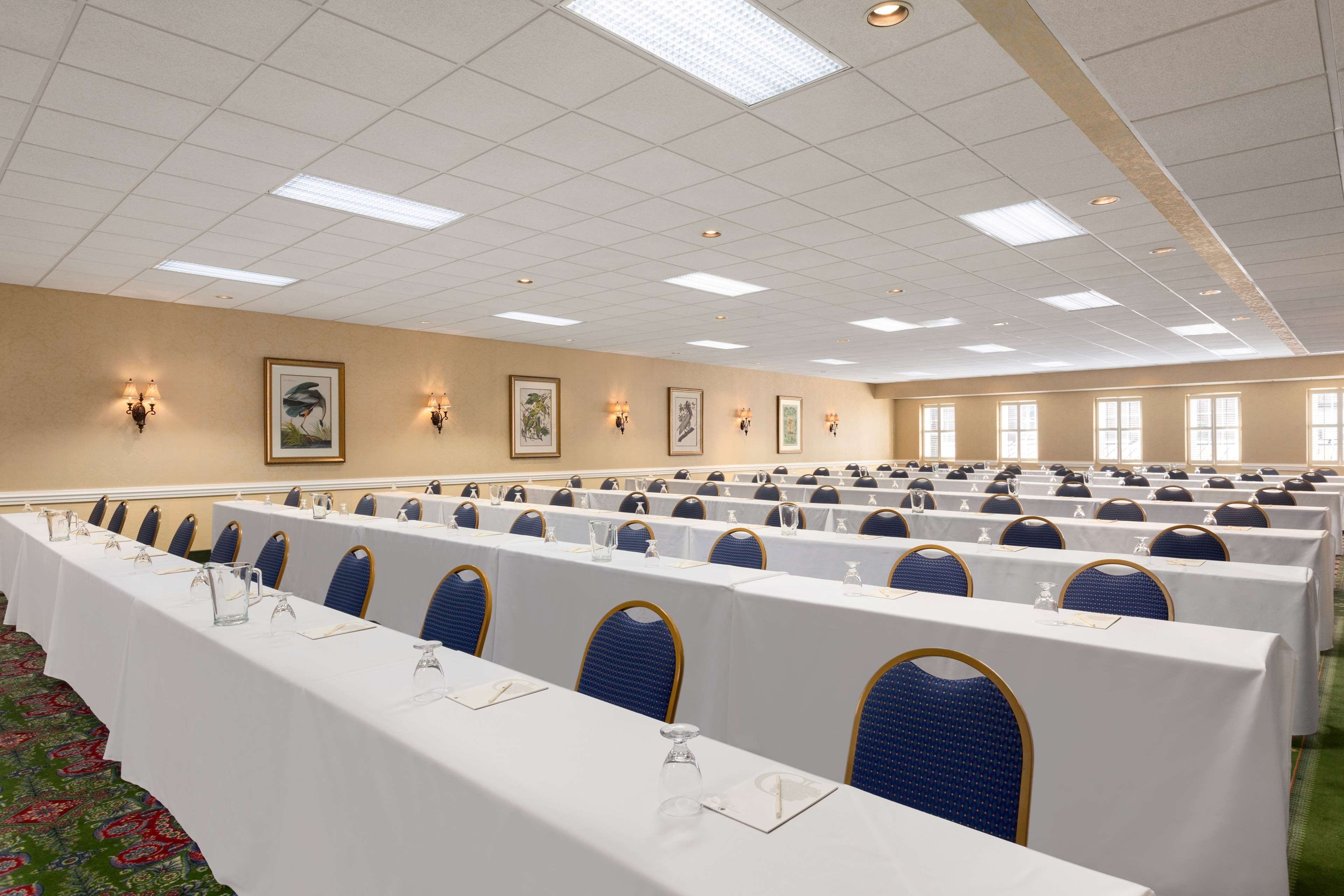 DoubleTree by Hilton Hotel & Suites Charleston - Historic District image 20