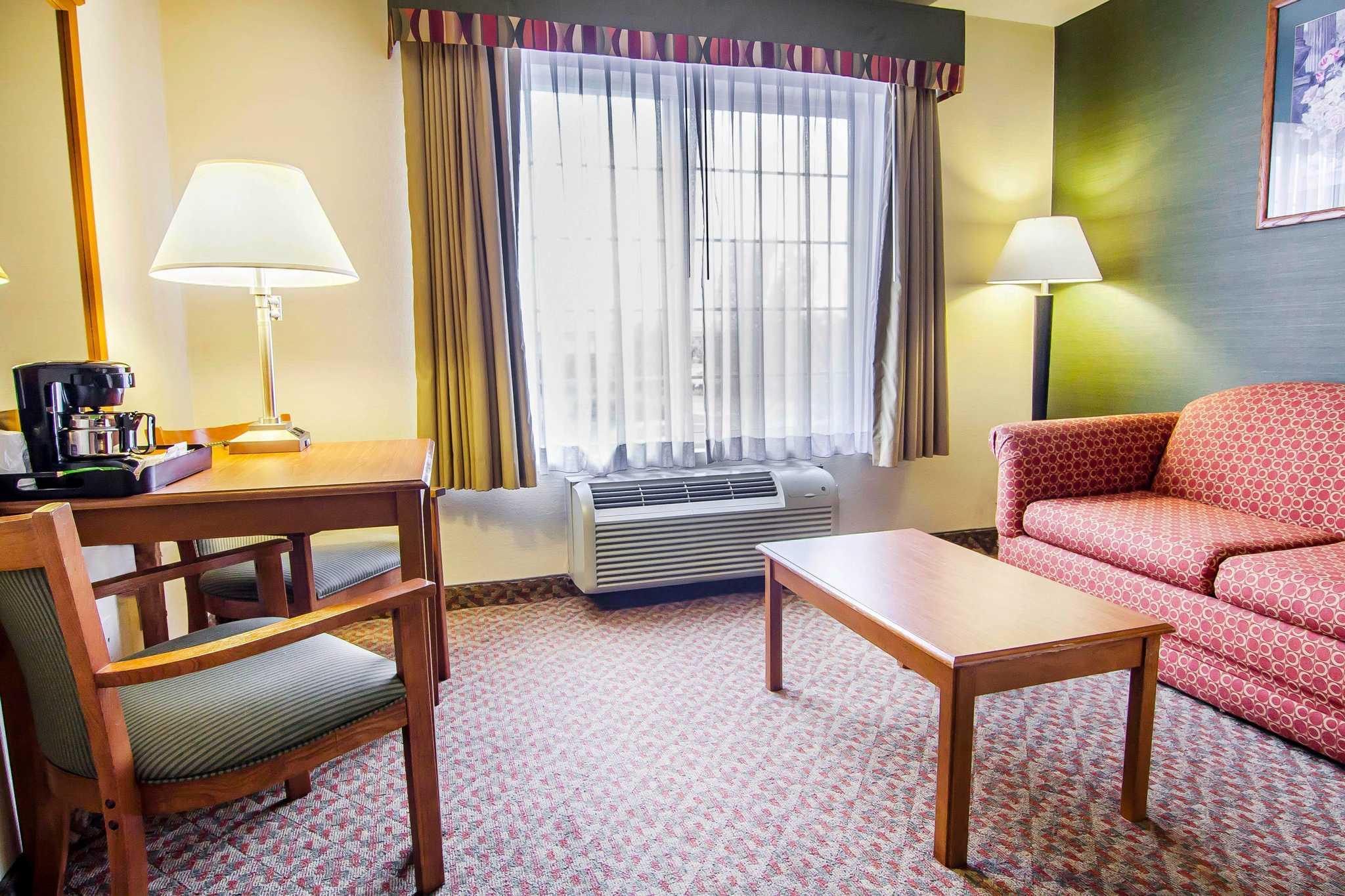 Comfort Inn & Suites image 44
