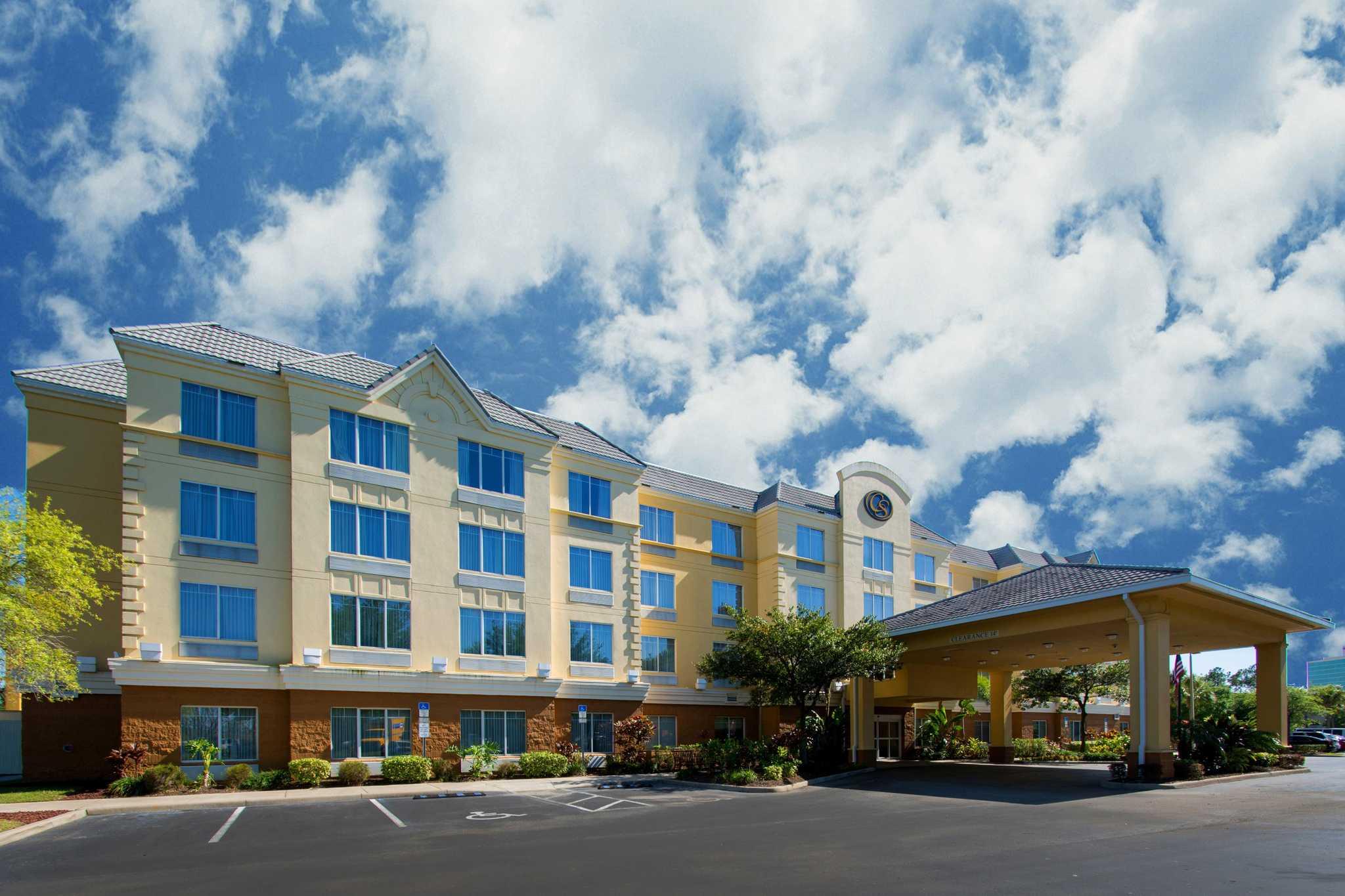 Comfort Suites Near Universal Orlando Resort image 1