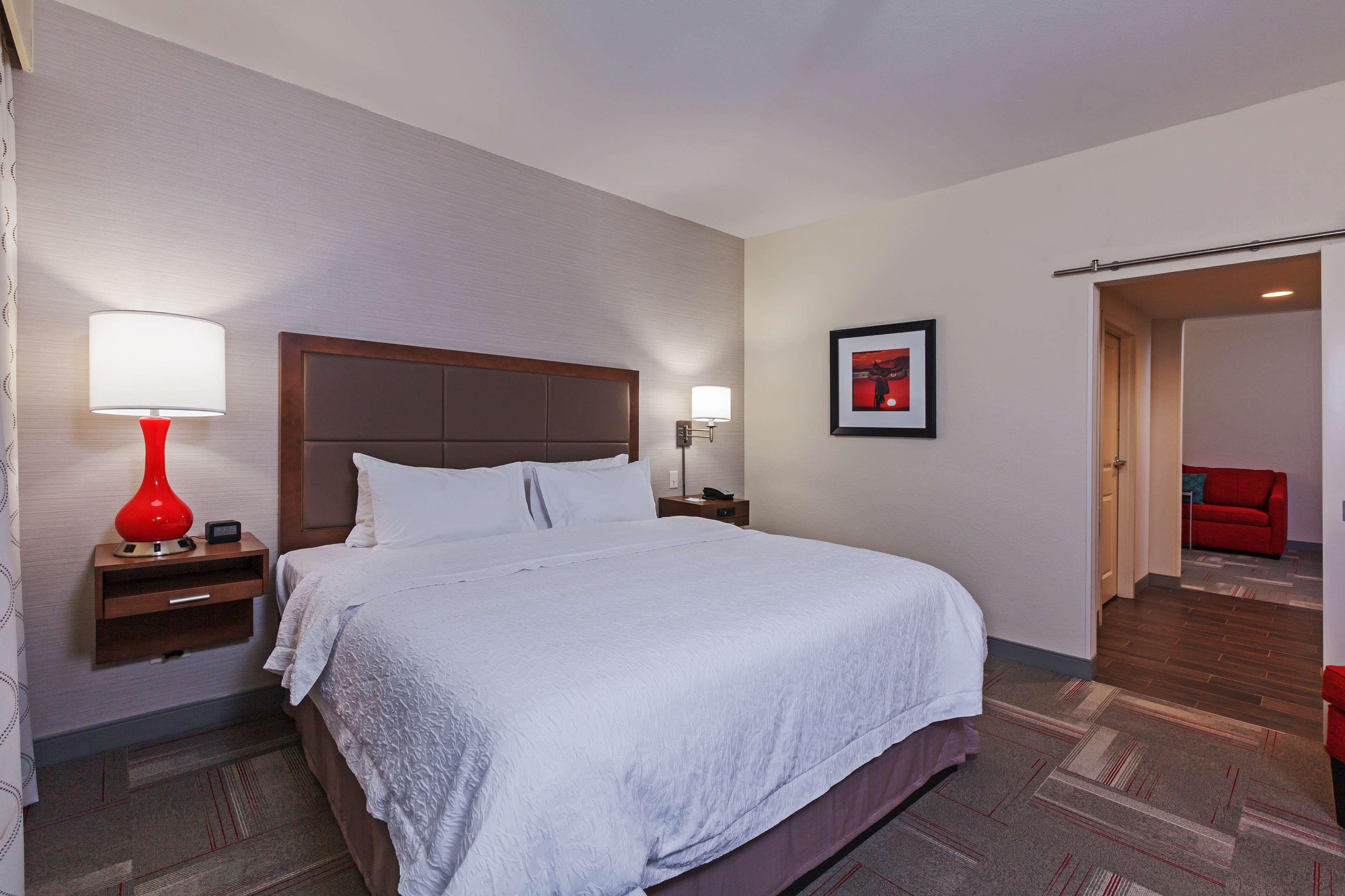 Hampton Inn & Suites Claremore image 19