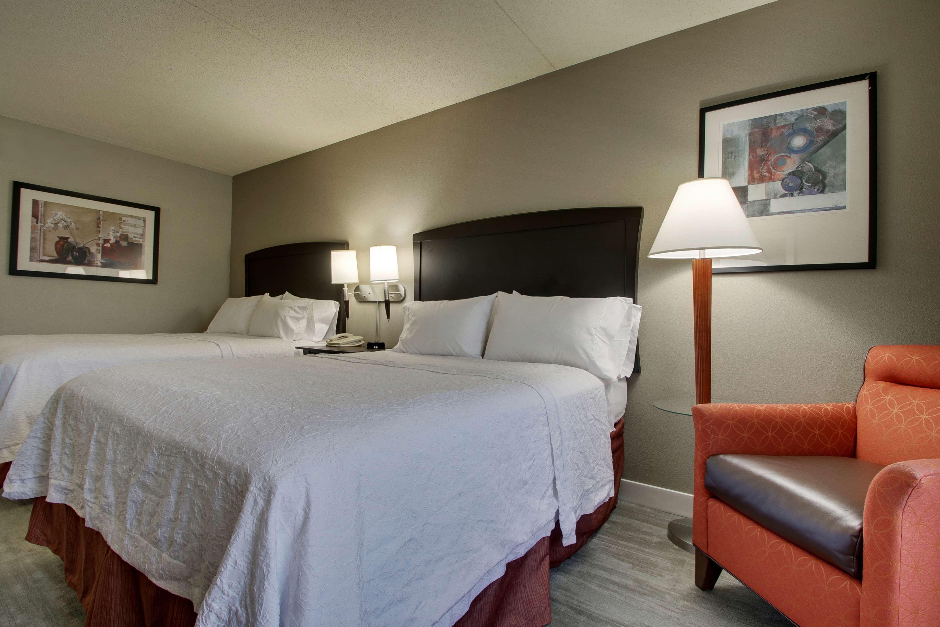 Hampton Inn & Suites Spartanburg-I-26-Westgate Mall image 29