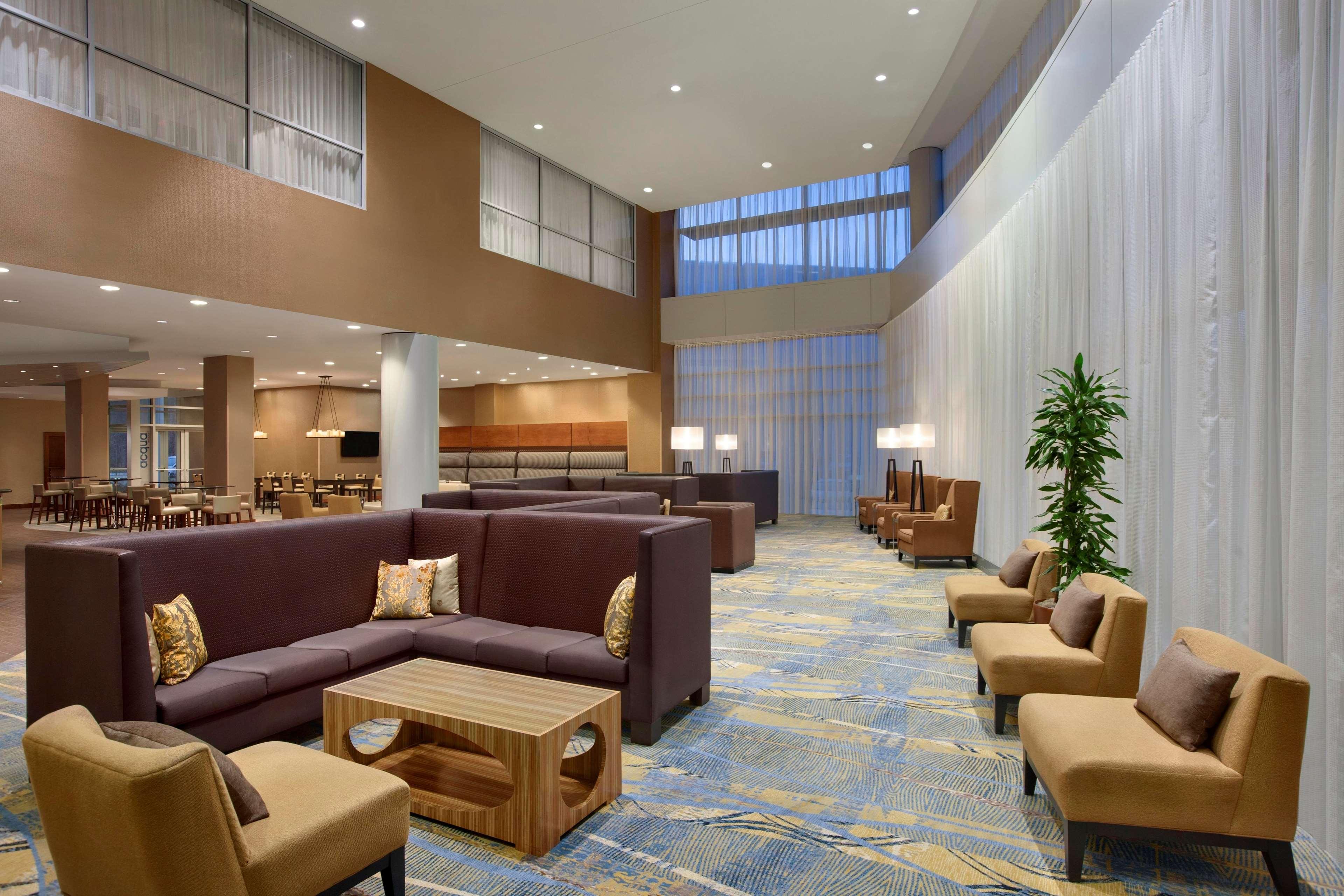 Hilton Baltimore BWI Airport image 0