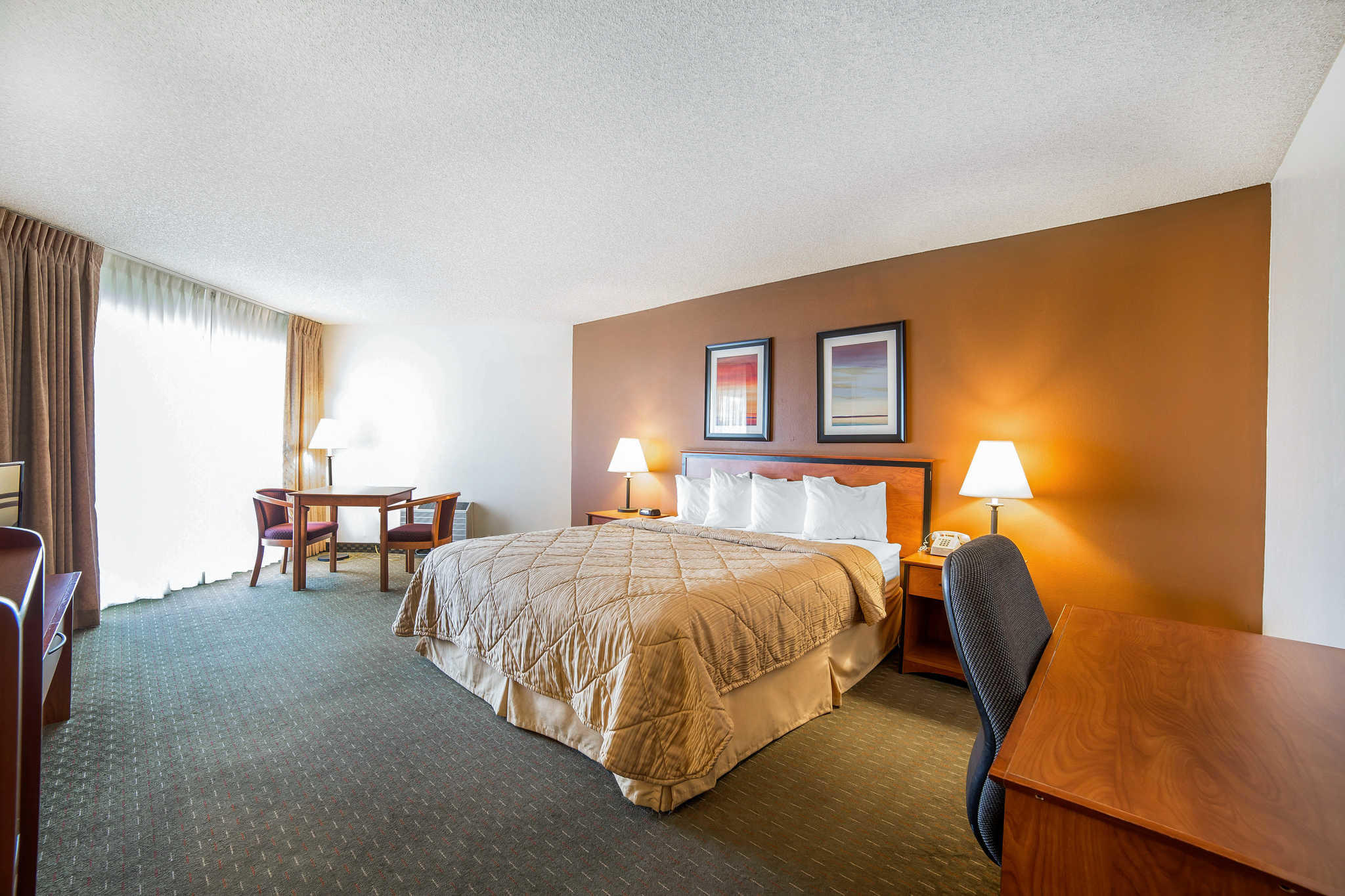 Quality Inn image 10