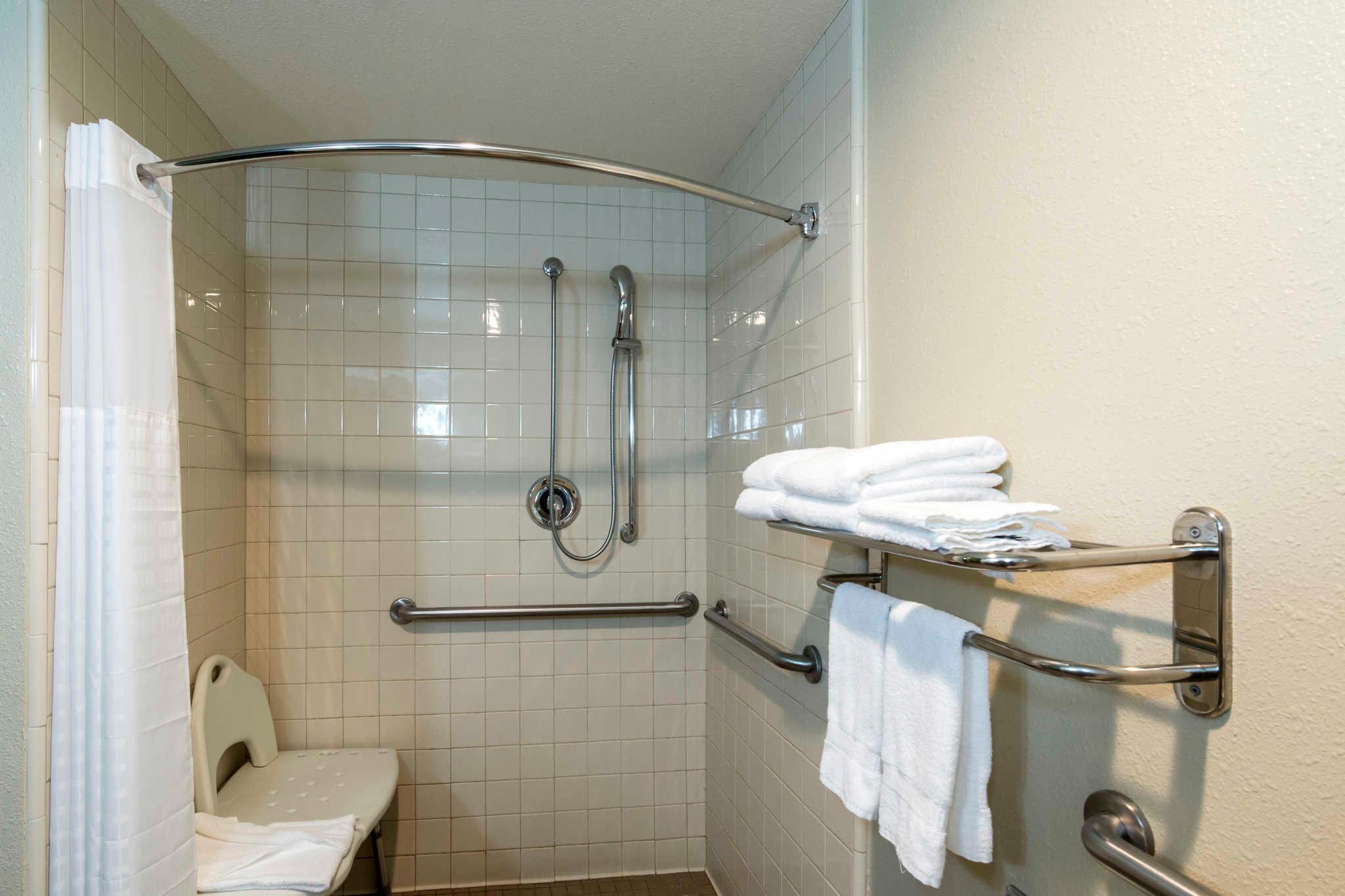 Comfort Inn & Suites Sacramento - University Area image 11