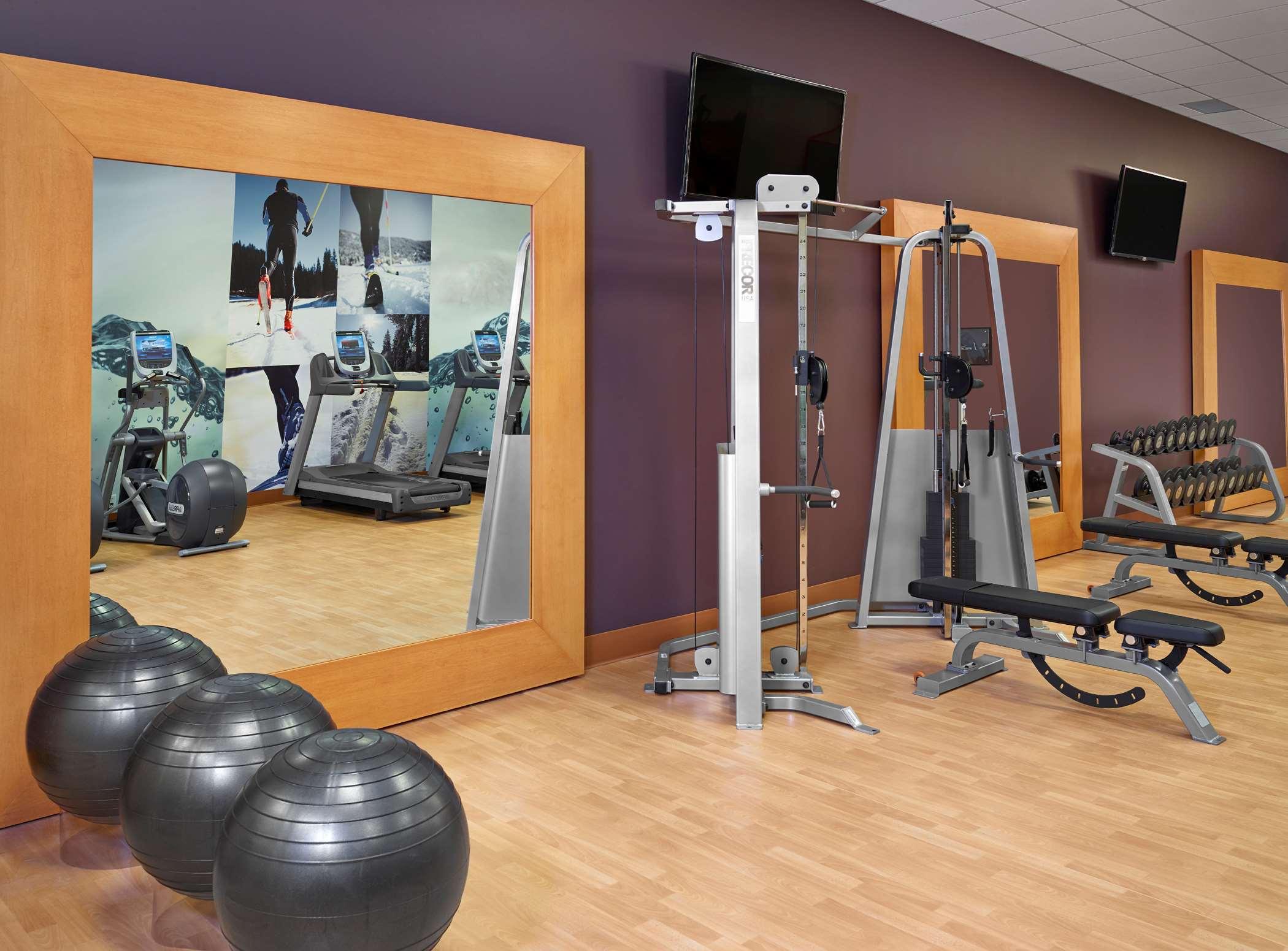 DoubleTree by Hilton Hotel West Edmonton in Edmonton: Health club