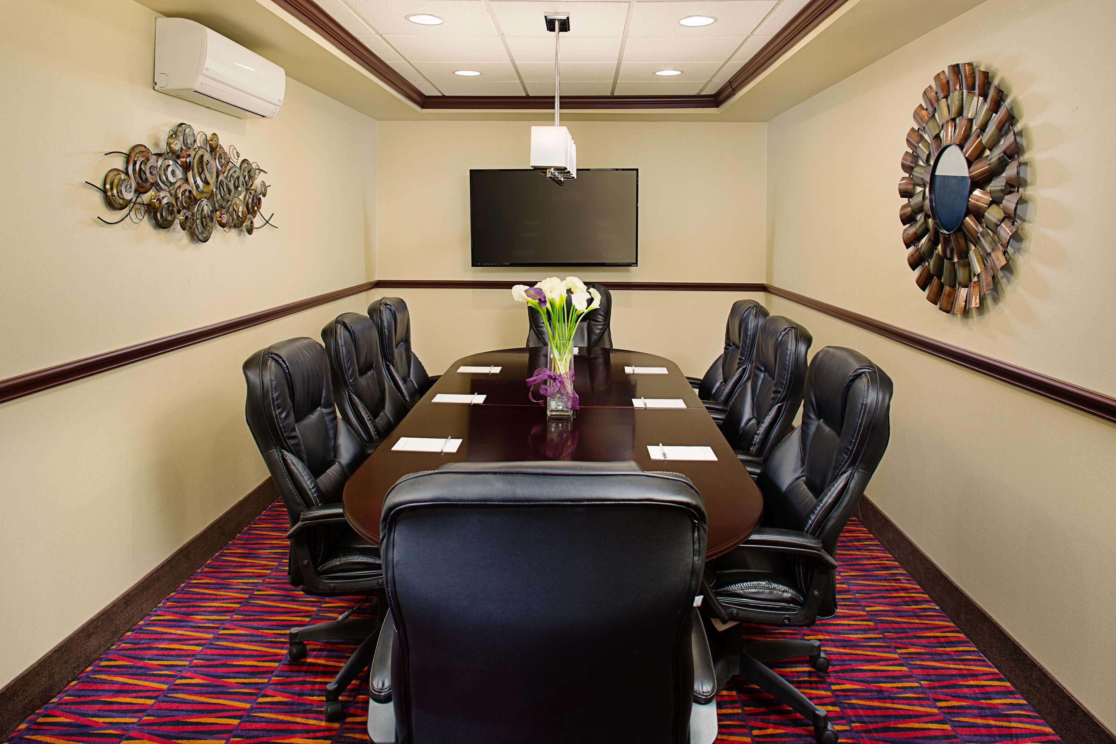 Hampton Inn & Suites Dallas/Lewisville-Vista Ridge Mall, TX image 37