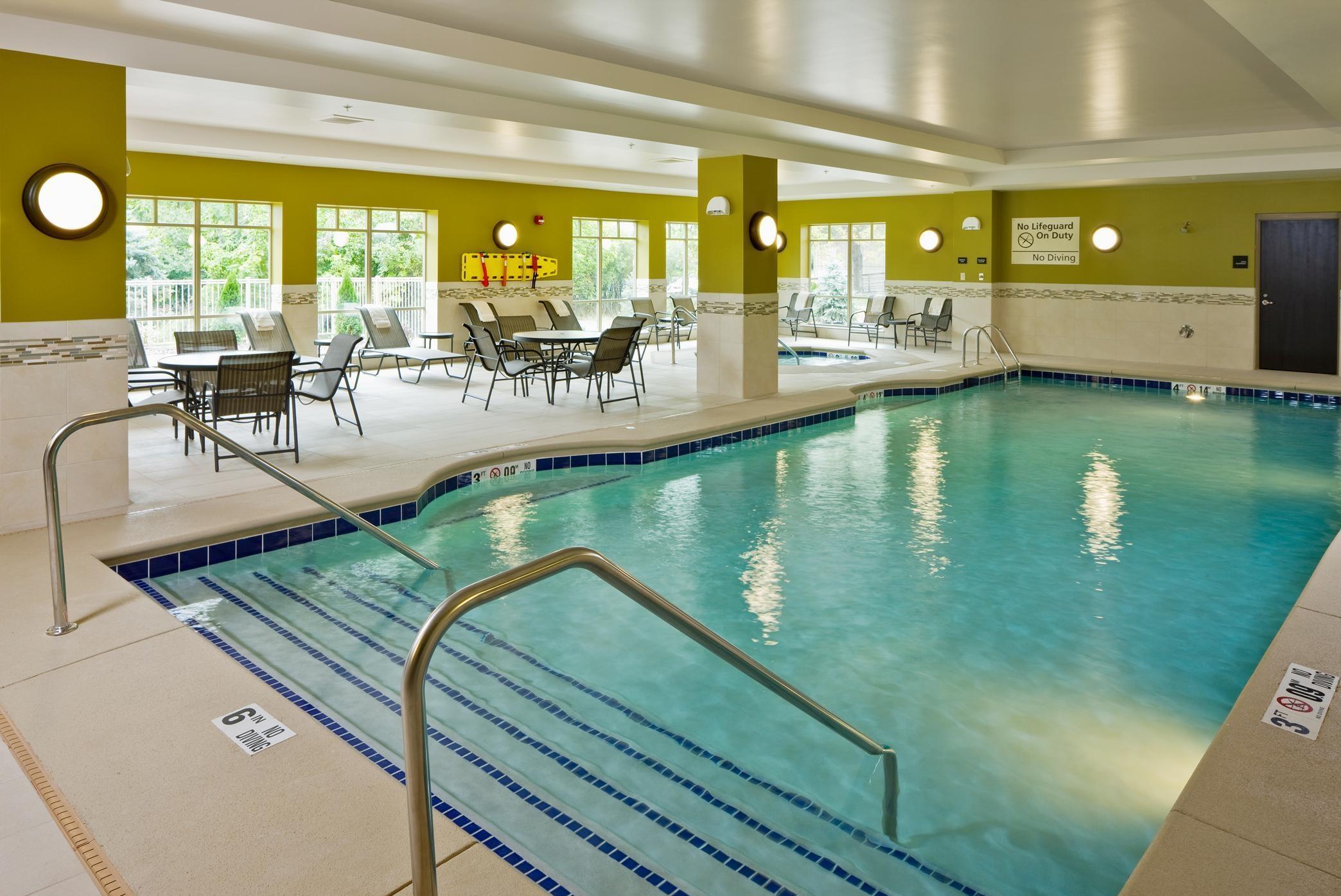 Hampton Inn & Suites Saginaw image 5