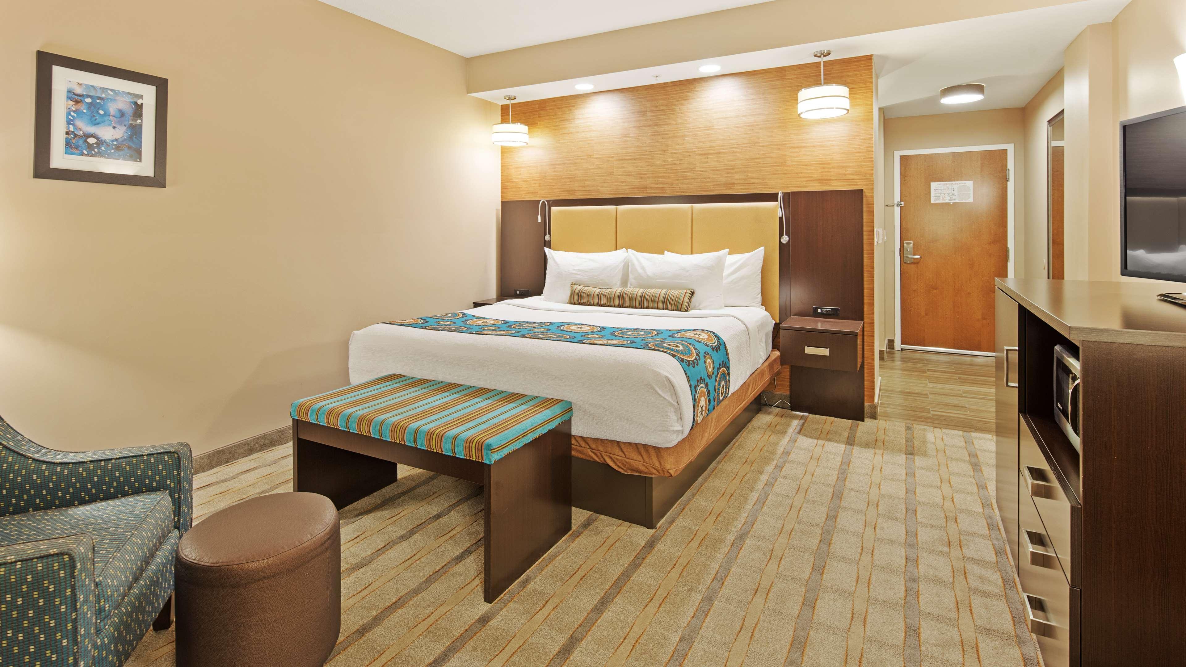 Best Western Plus Kendall Airport Hotel & Suites image 15