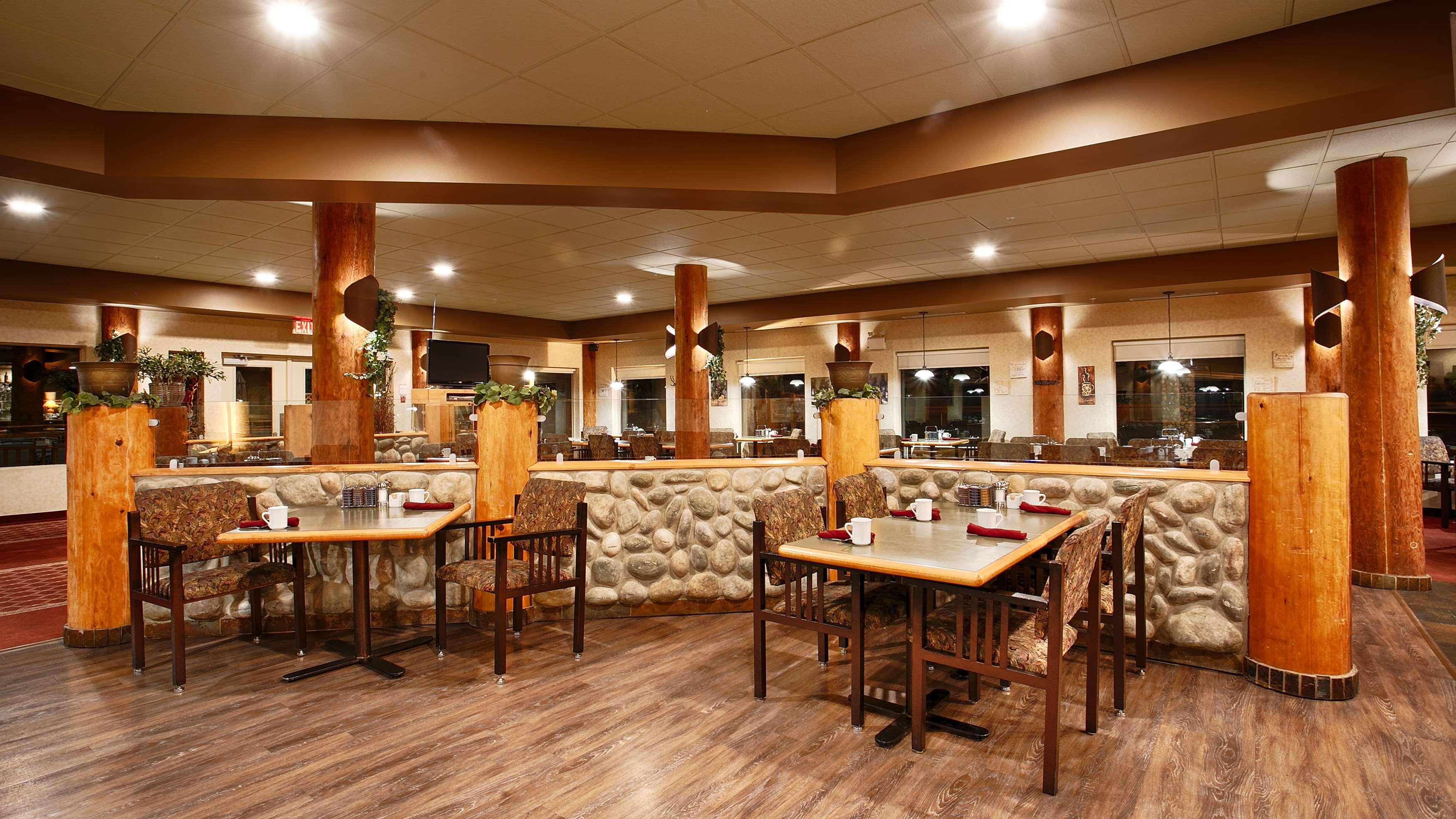 Best Western Valemount Bc Restaurant
