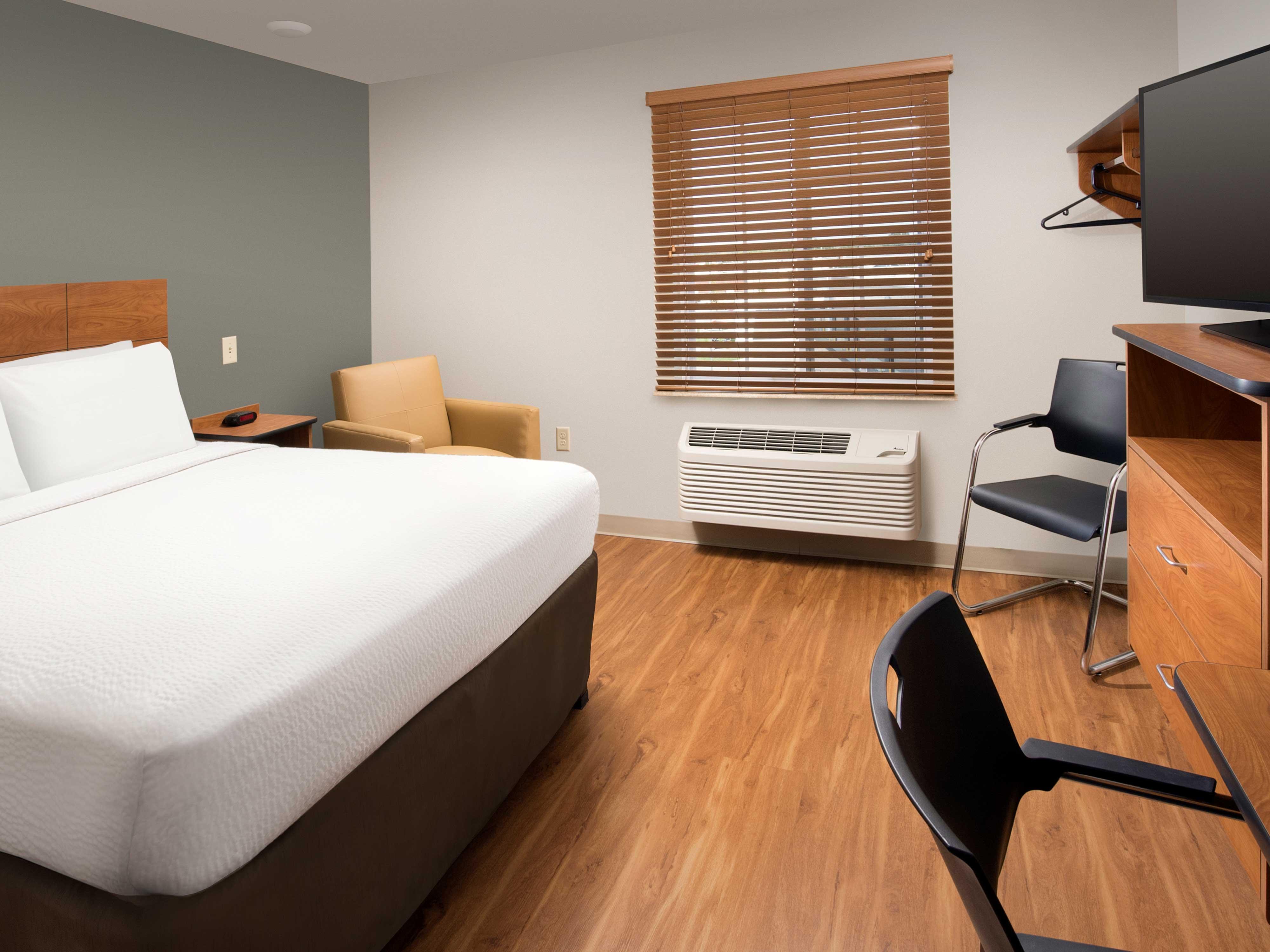 WoodSpring Suites Grand Rapids South image 12