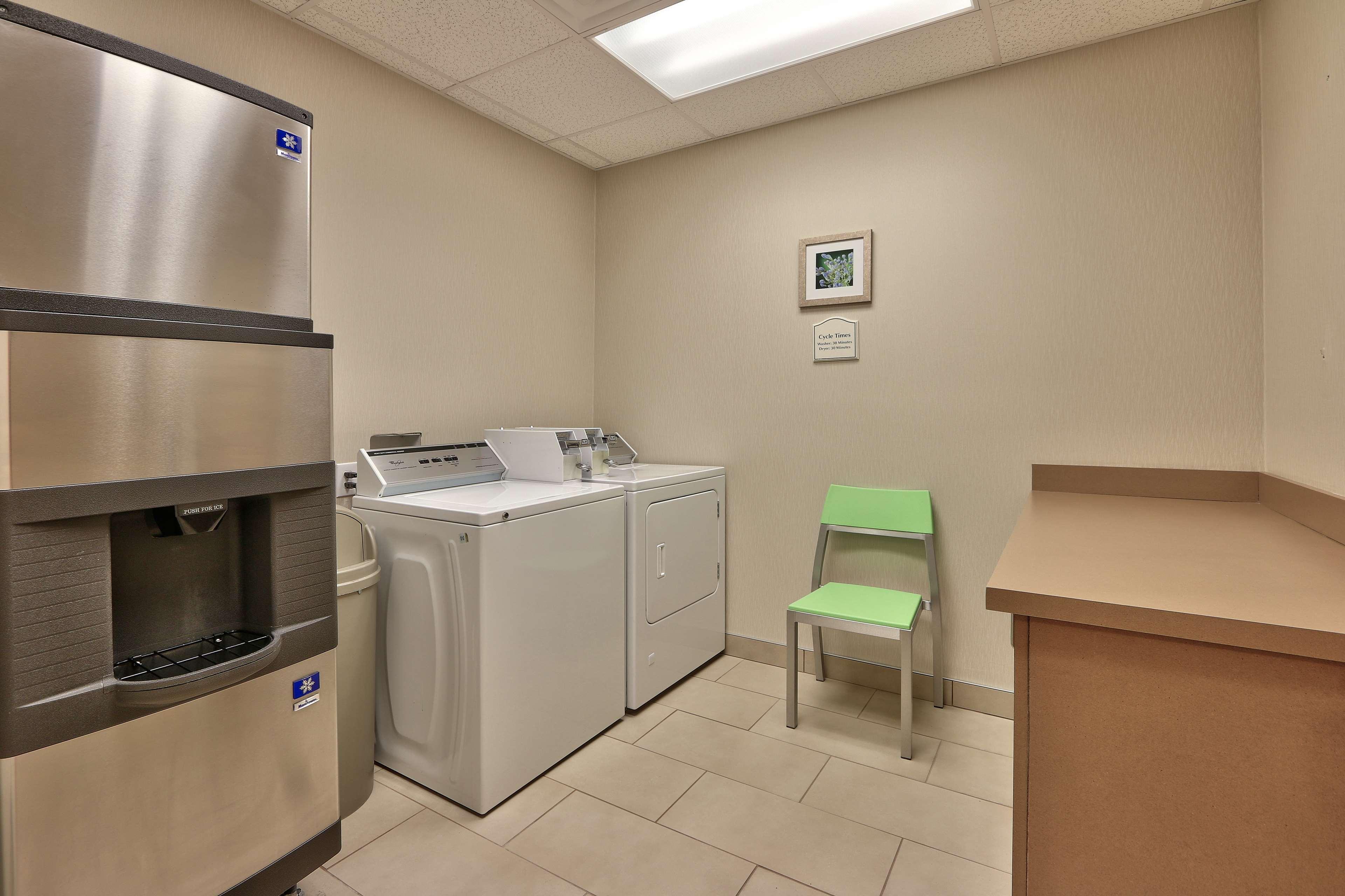 Hilton Garden Inn Albuquerque/Journal Center image 34