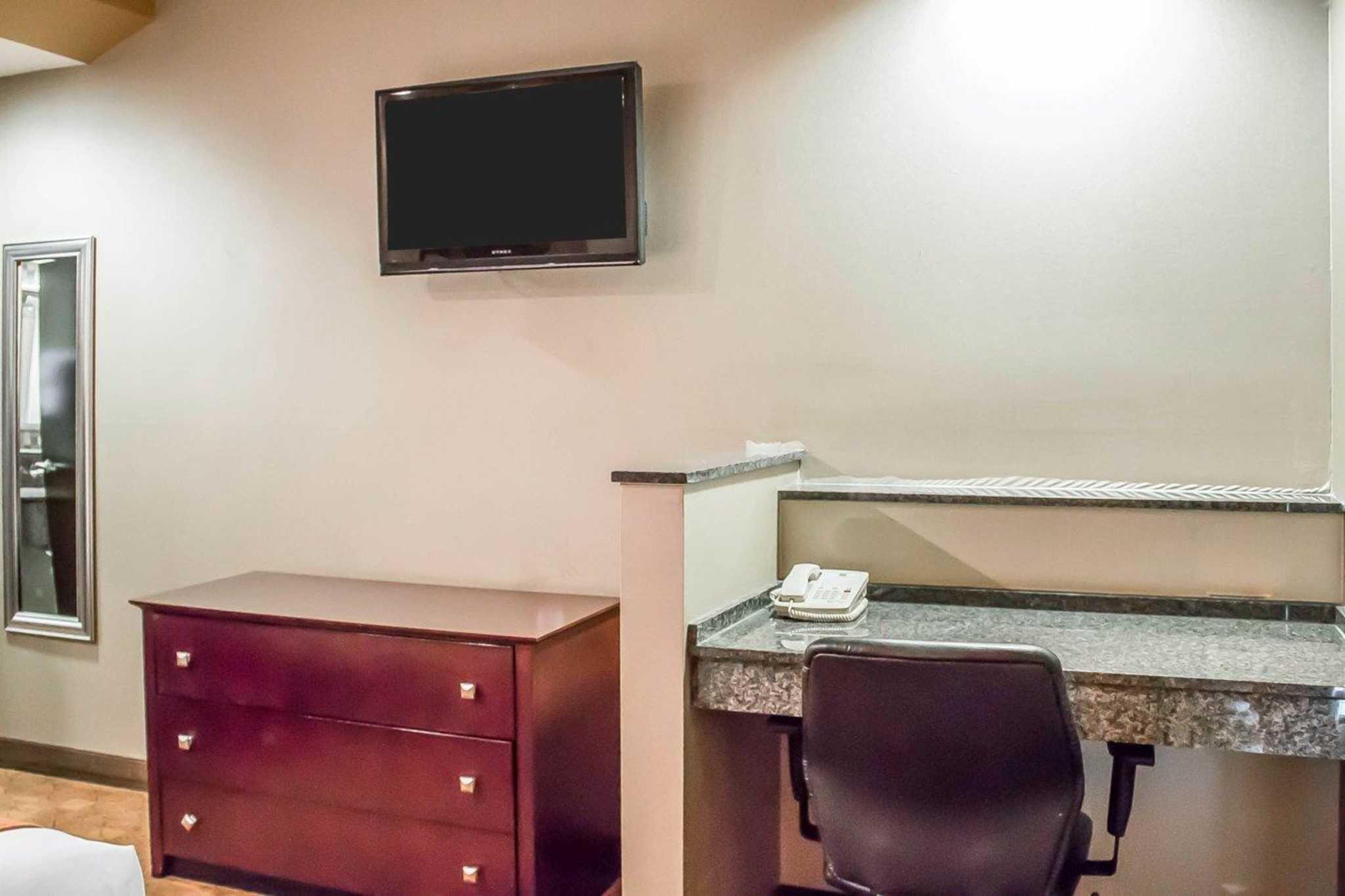 Comfort Suites Perrysburg - Toledo South image 4