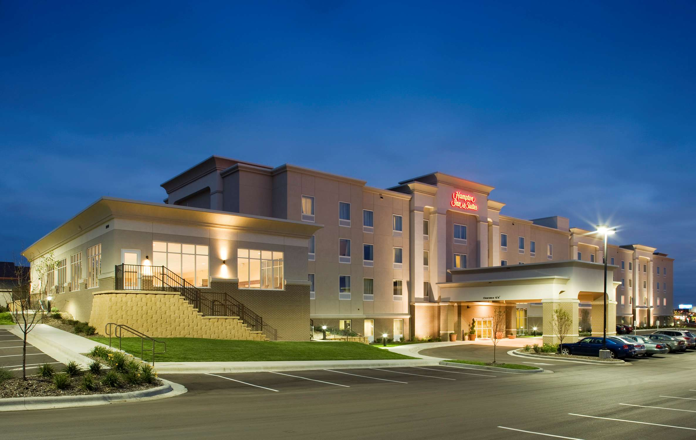 Hampton Inn & Suites Rochester-North image 2