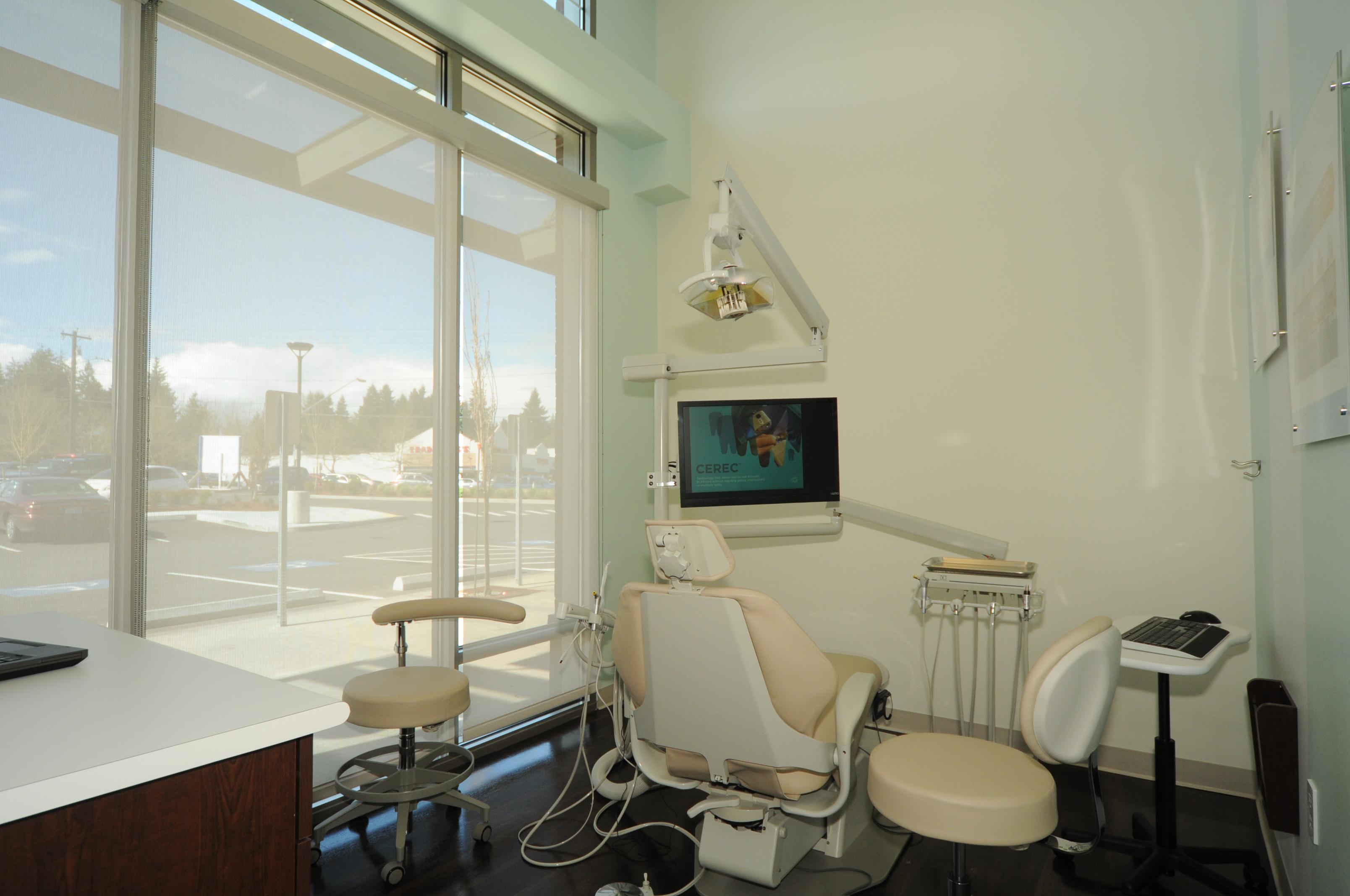 Lynnwood Crossroads Modern Dentistry and Orthodontics image 7