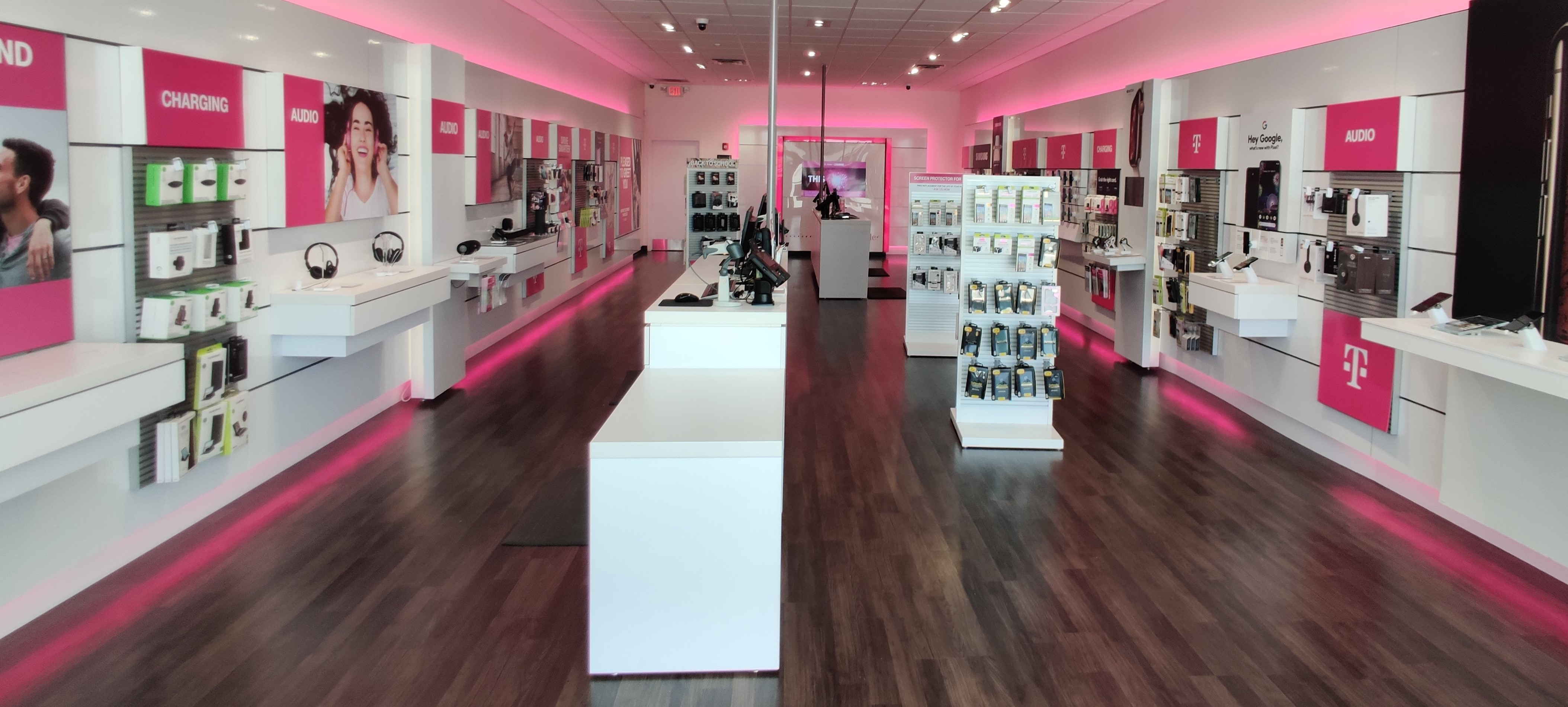Cell Phones, Plans, and Accessories at T-Mobile 700