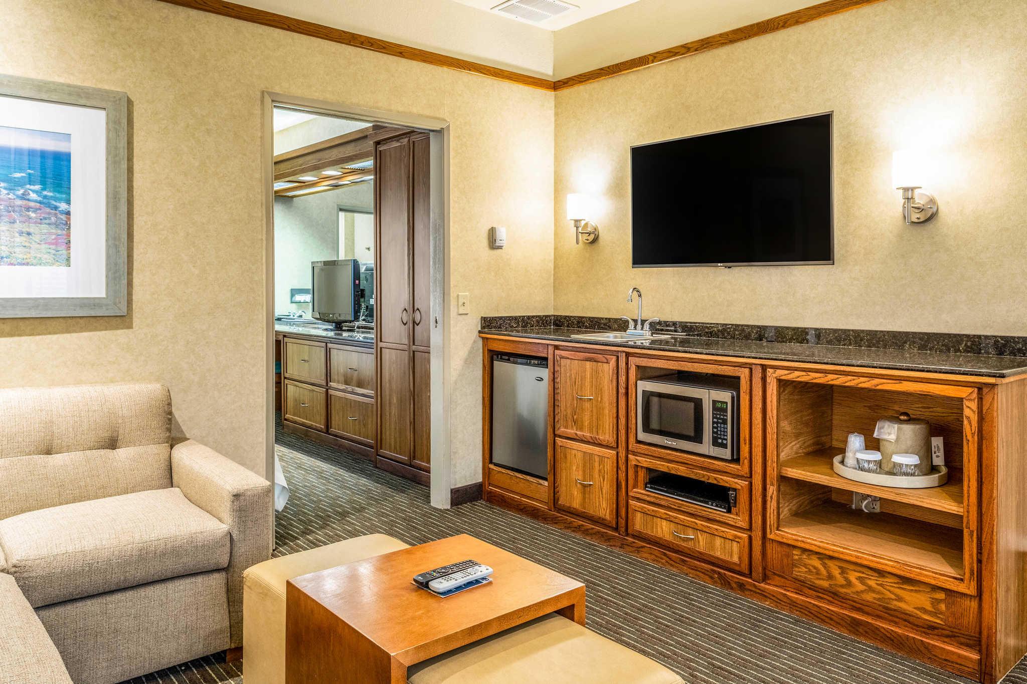 Quality Suites Downtown San Luis Obispo image 10