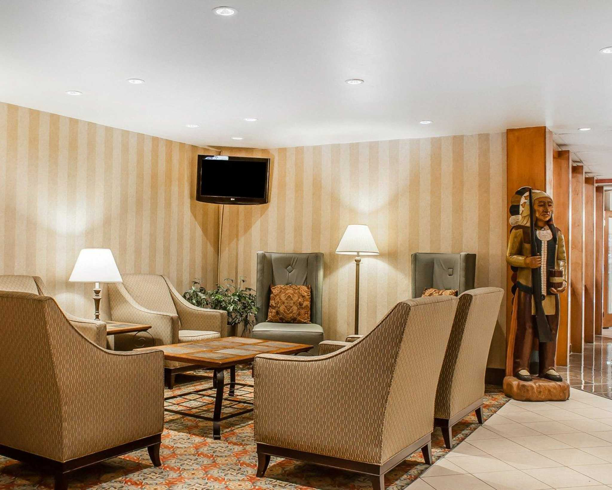 Quality Hotel & Suites At The Falls image 15
