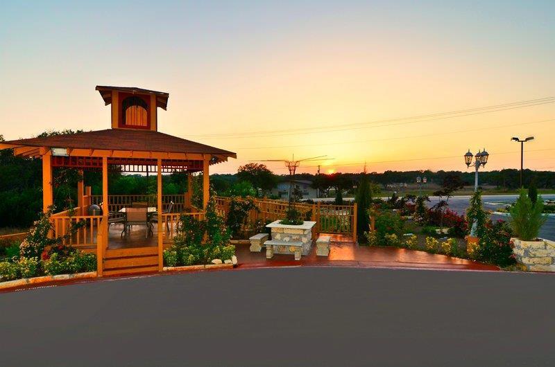 Best Western Plus Blanco Luxury Inn & Suites image 4