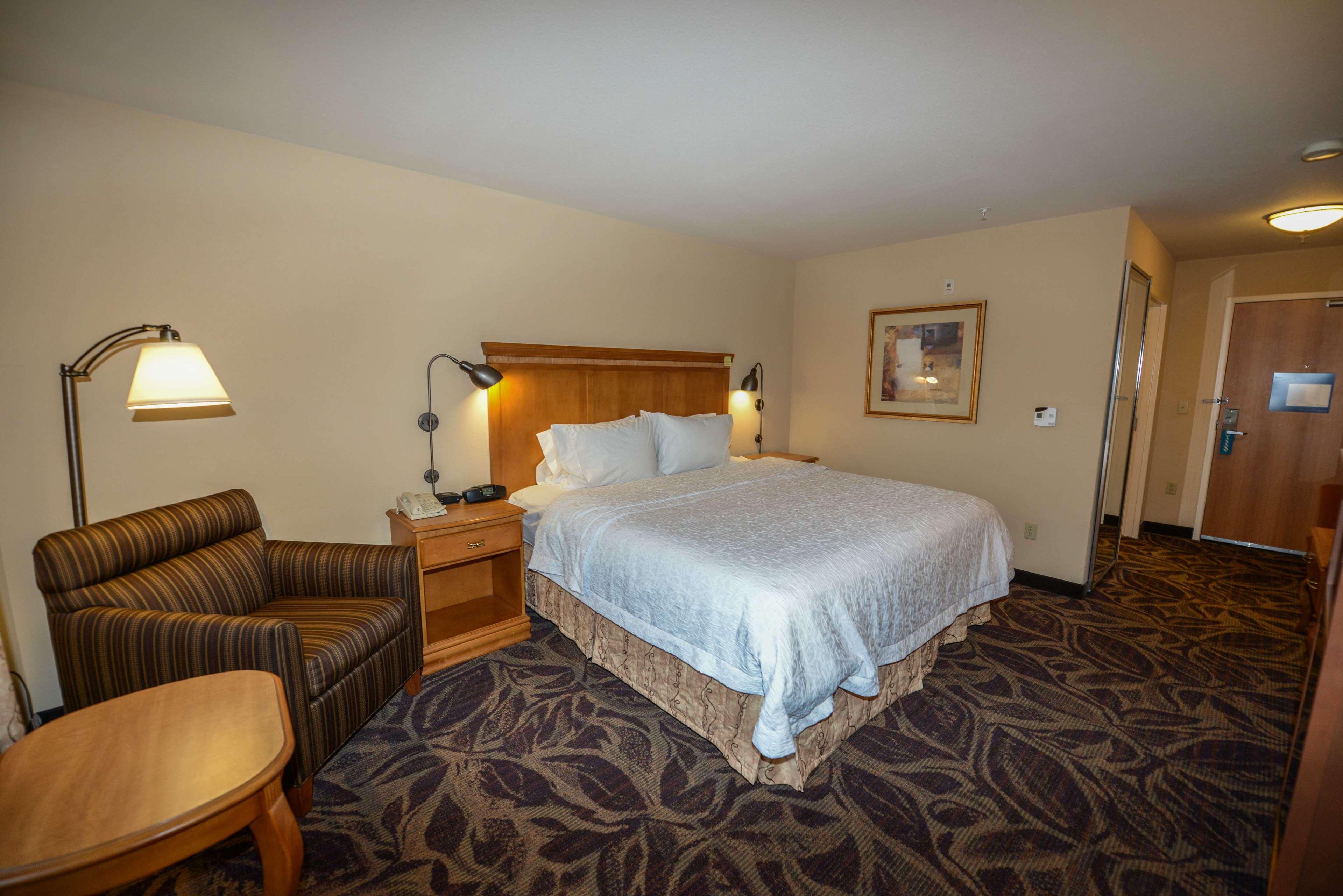Hampton Inn & Suites Bremerton image 38