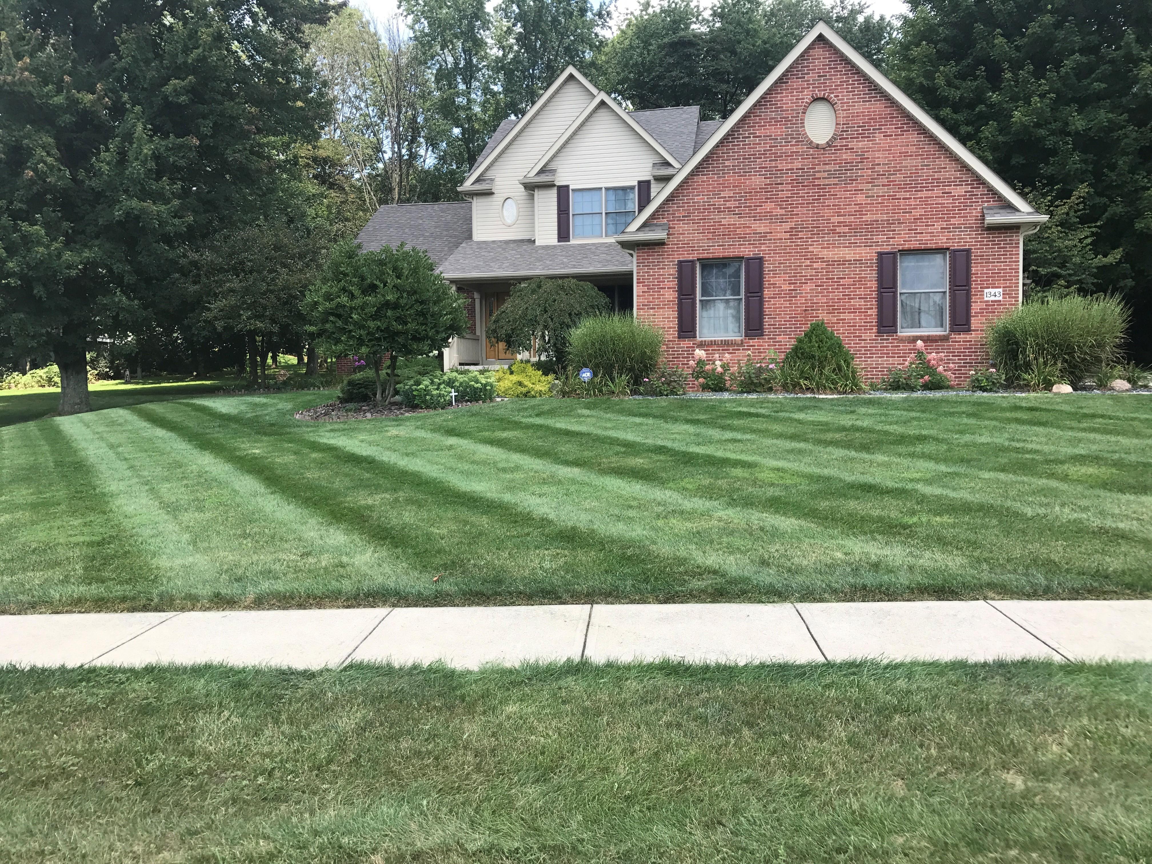 Prime Lawn & Landscape image 1