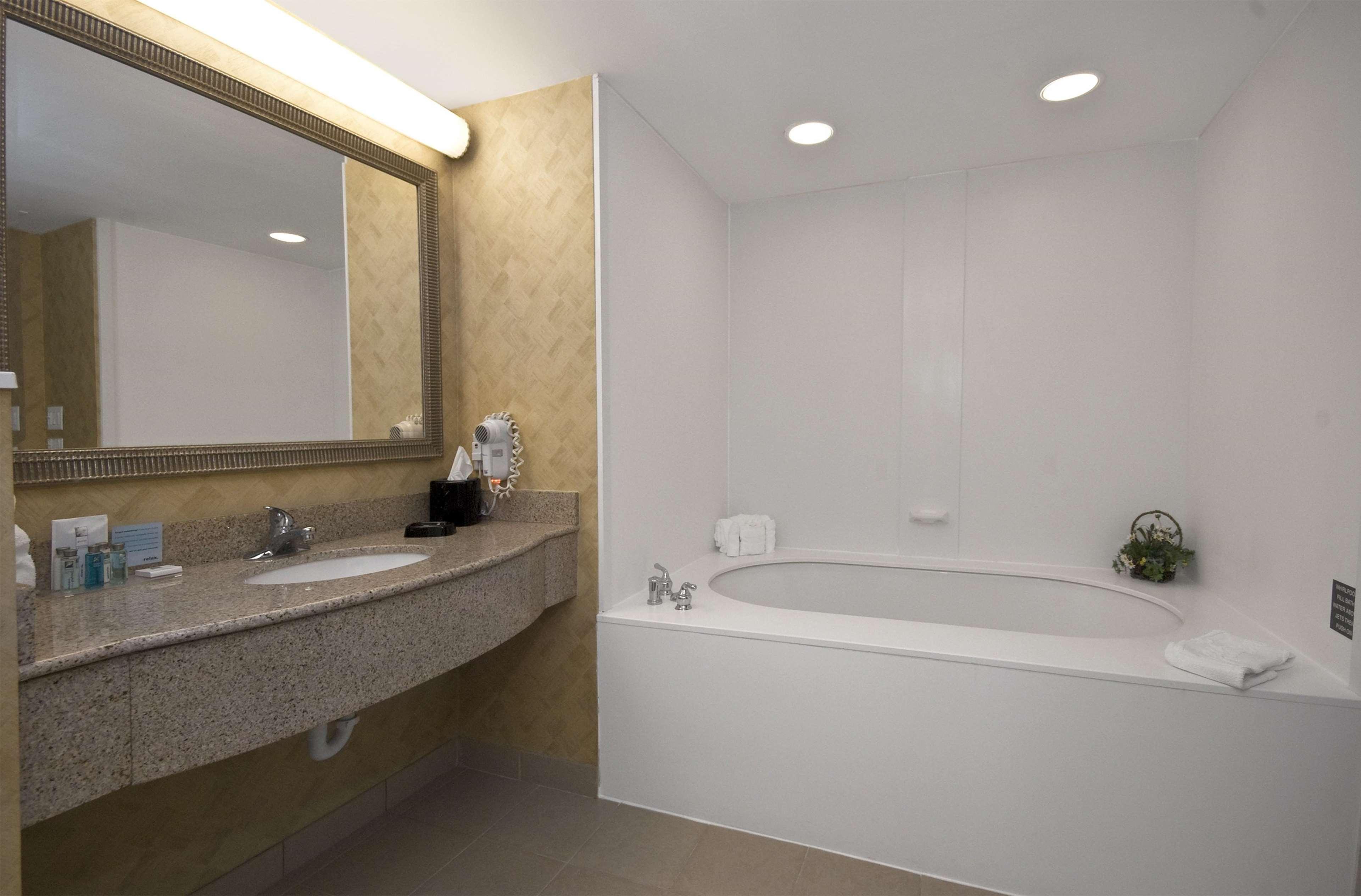 Hampton Inn & Suites Jacksonville South-St. Johns Town Center Area image 39
