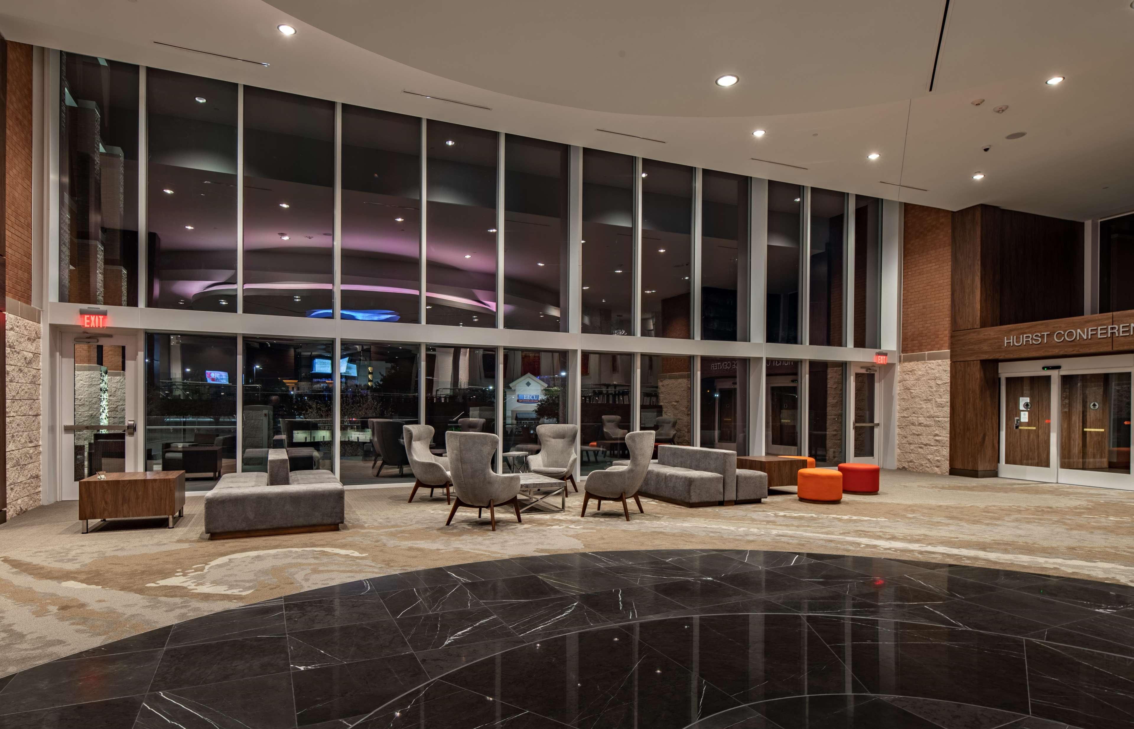 Hilton Garden Inn Dallas at Hurst Conference Center image 7