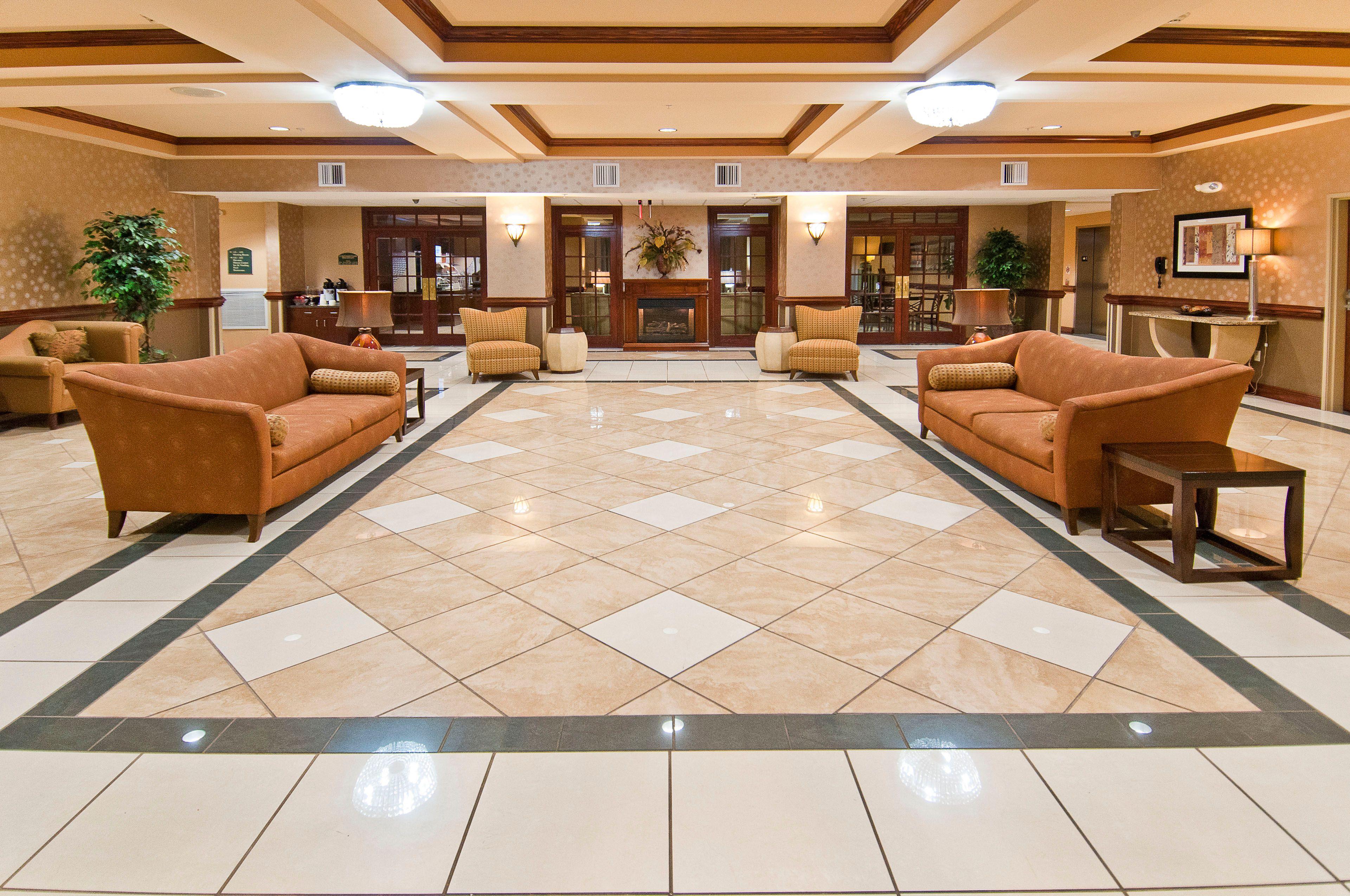 Holiday Inn Express & Suites Biloxi- Ocean Springs image 6