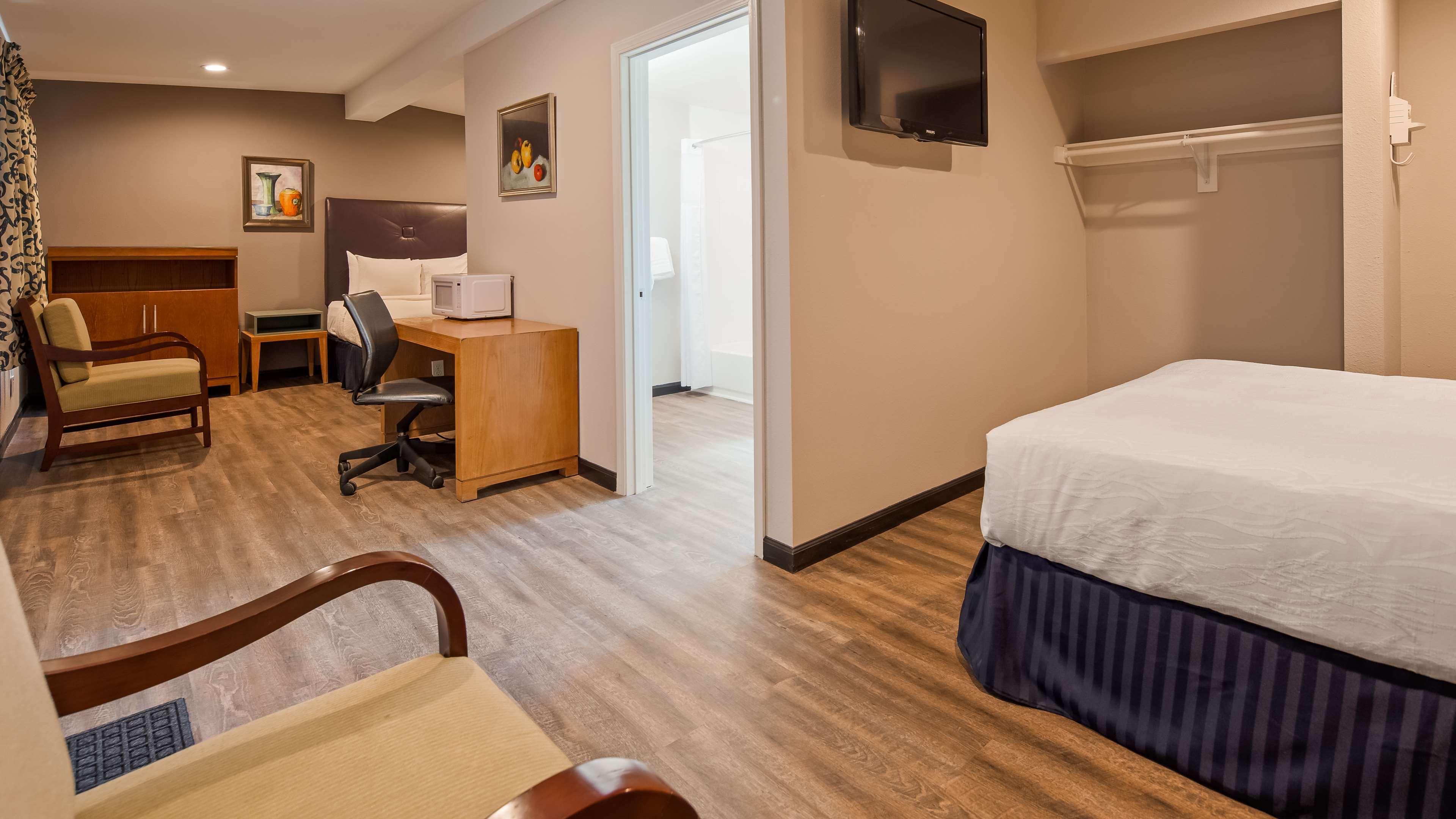 SureStay Hotel by Best Western Ridgecrest image 6