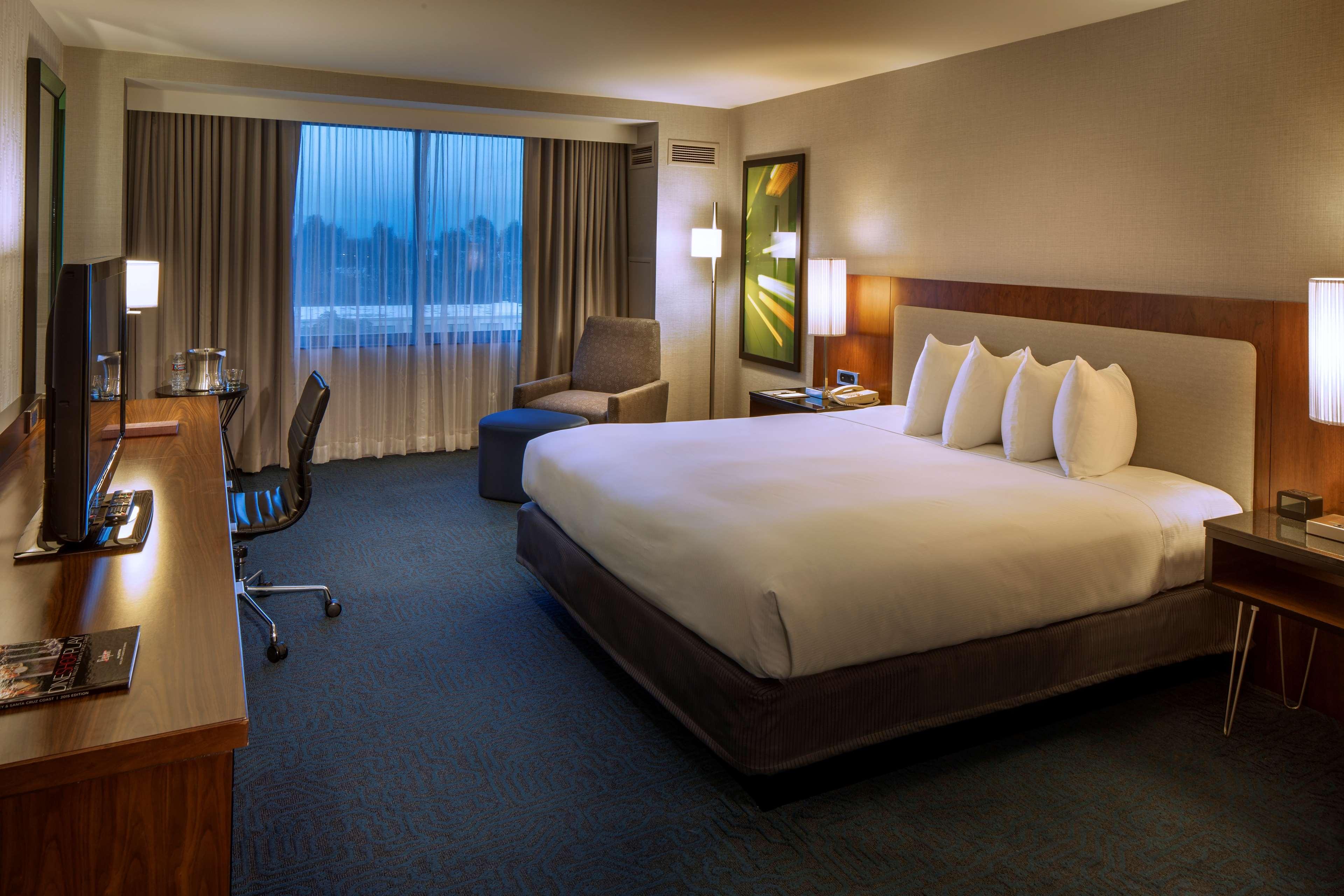 DoubleTree by Hilton Hotel Newark - Fremont image 33