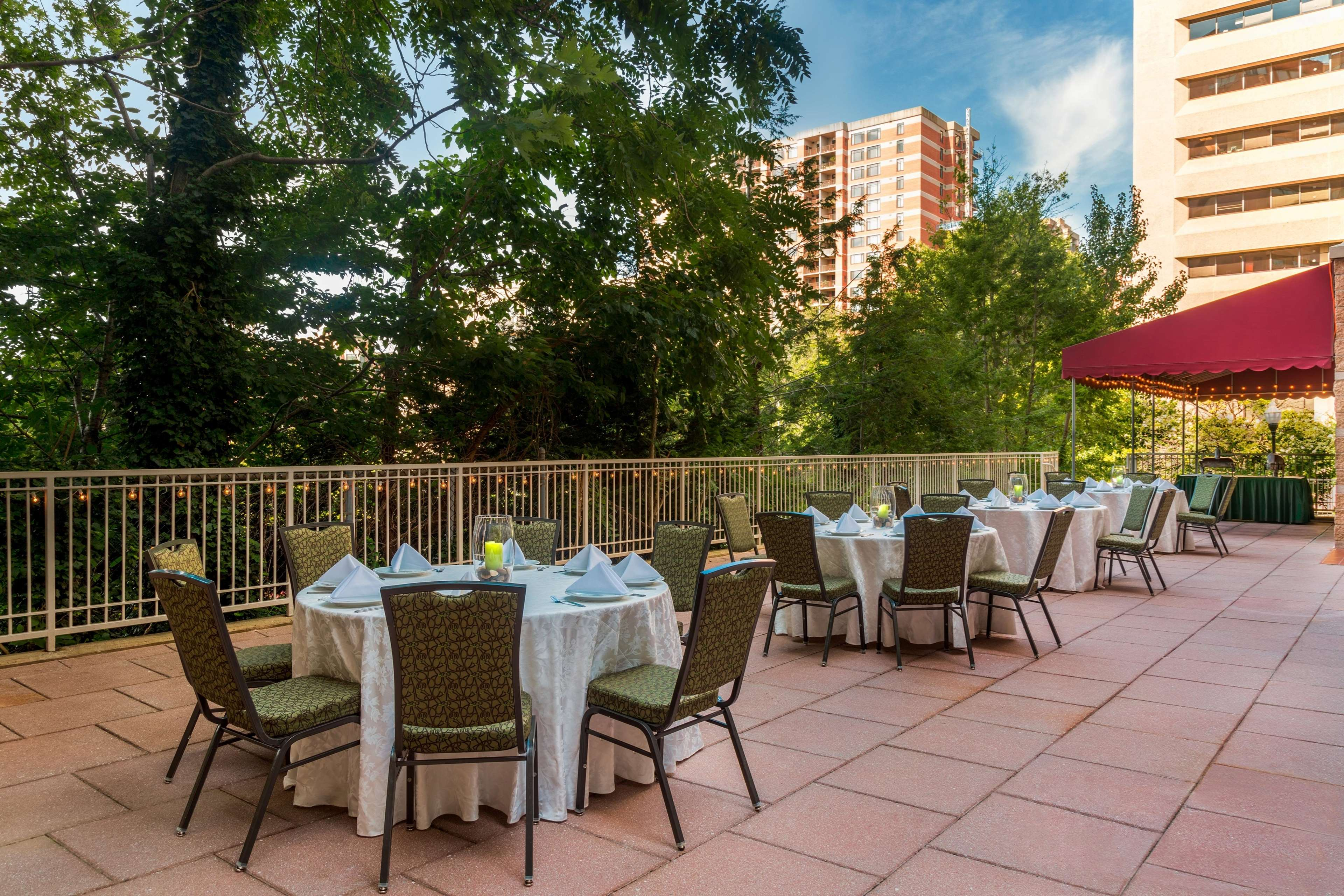 Hilton Garden Inn Arlington/Courthouse Plaza image 37