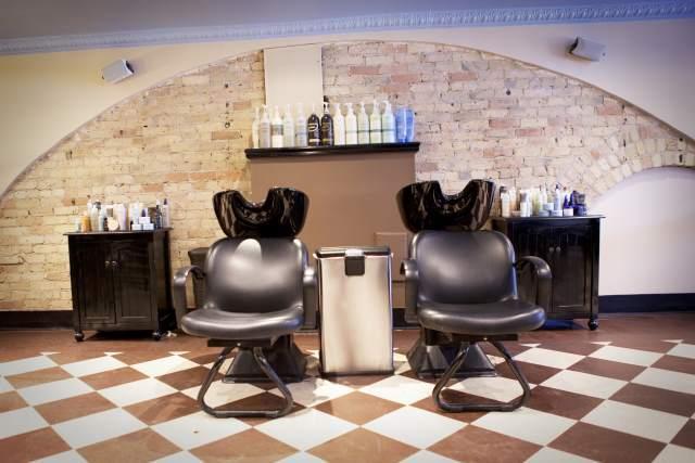 Estetica Salon & Day Spa image 2