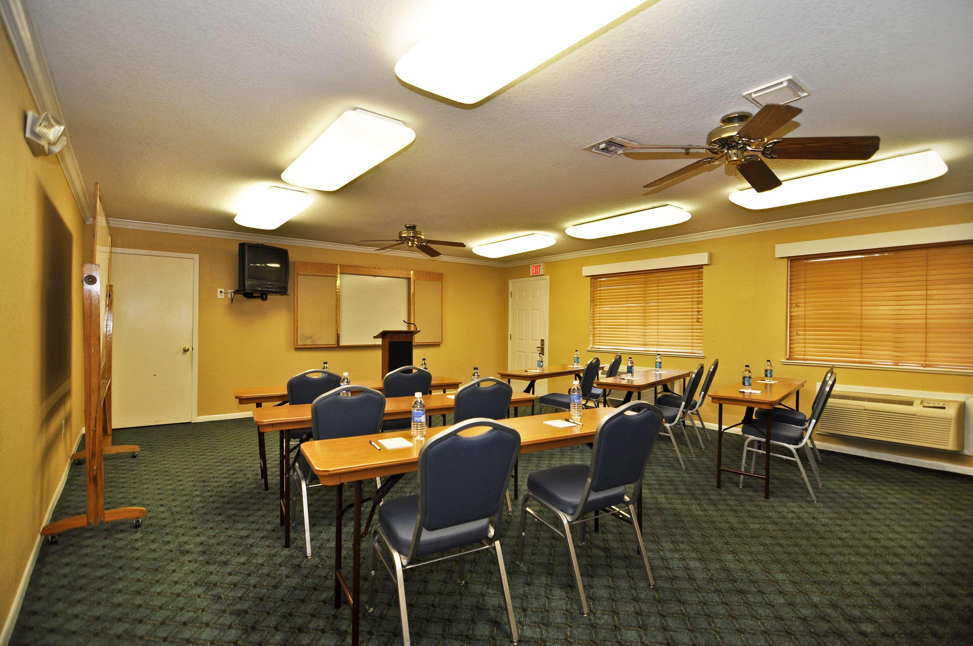 Best Western Pearland Inn image 11