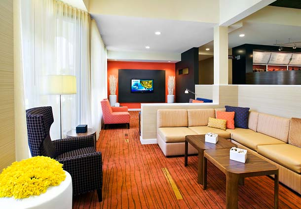 Courtyard by Marriott Fresno image 3