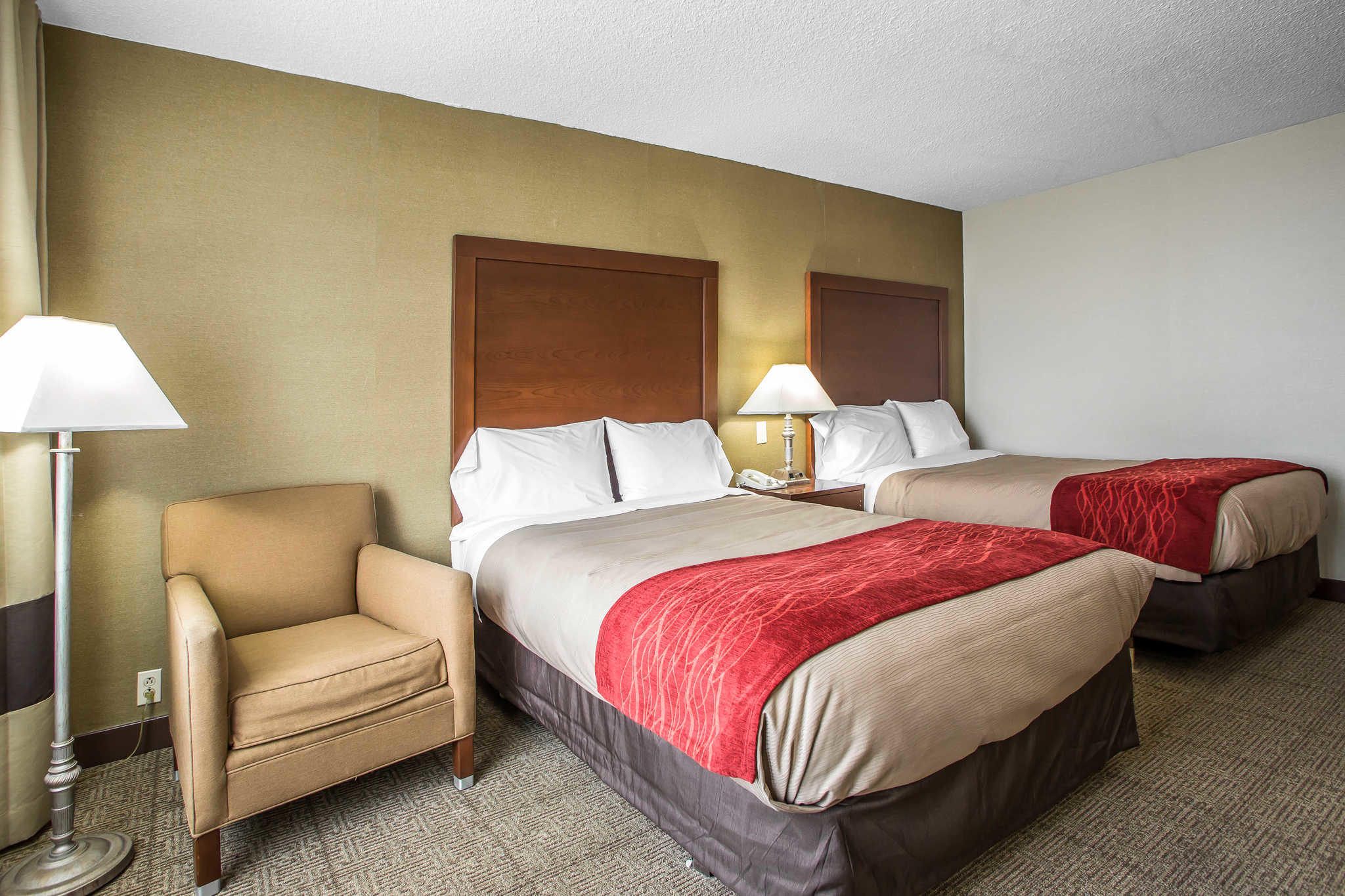 Quality Inn Midway Airport image 11