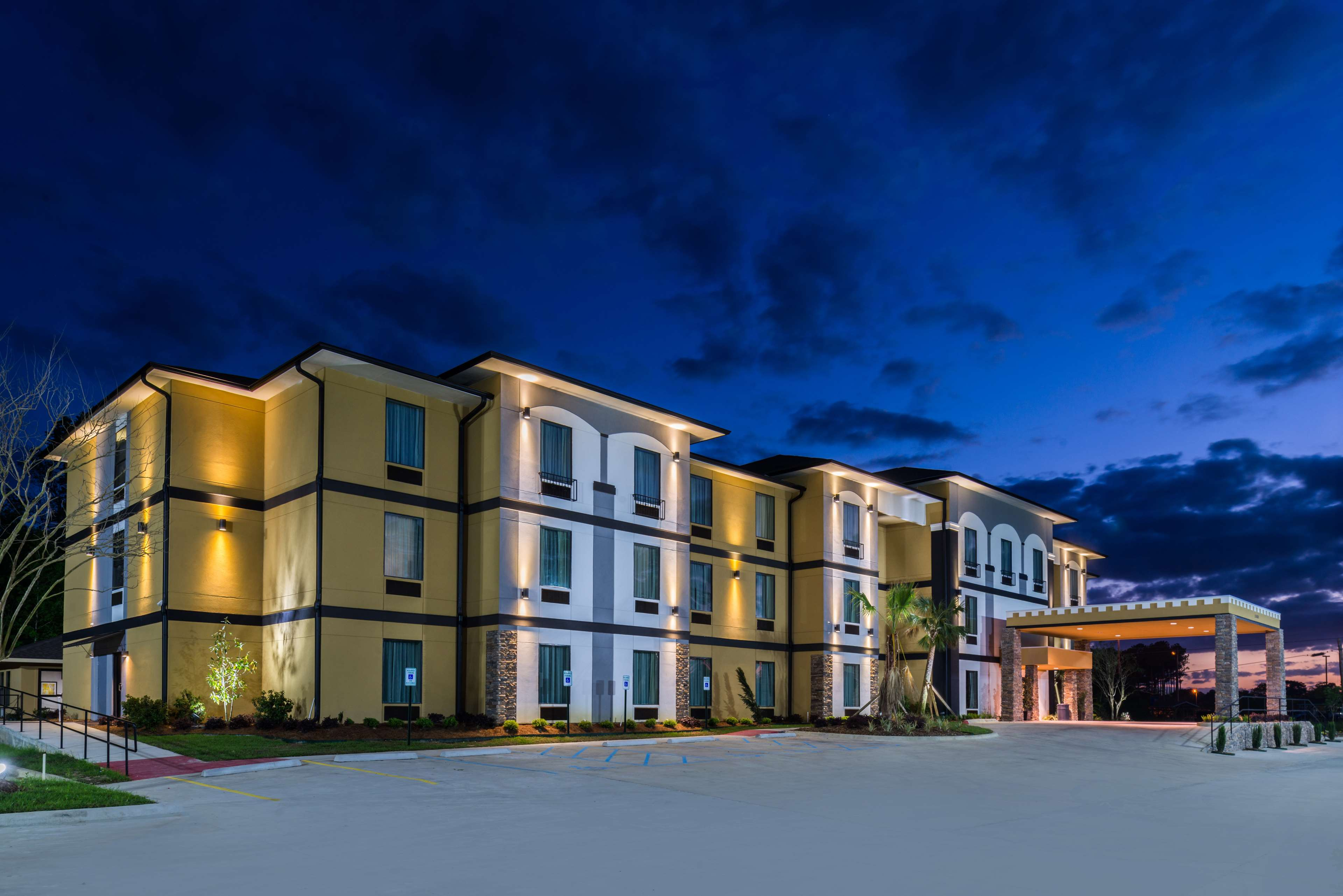 Best Western Plus Regency Park Hotel image 5