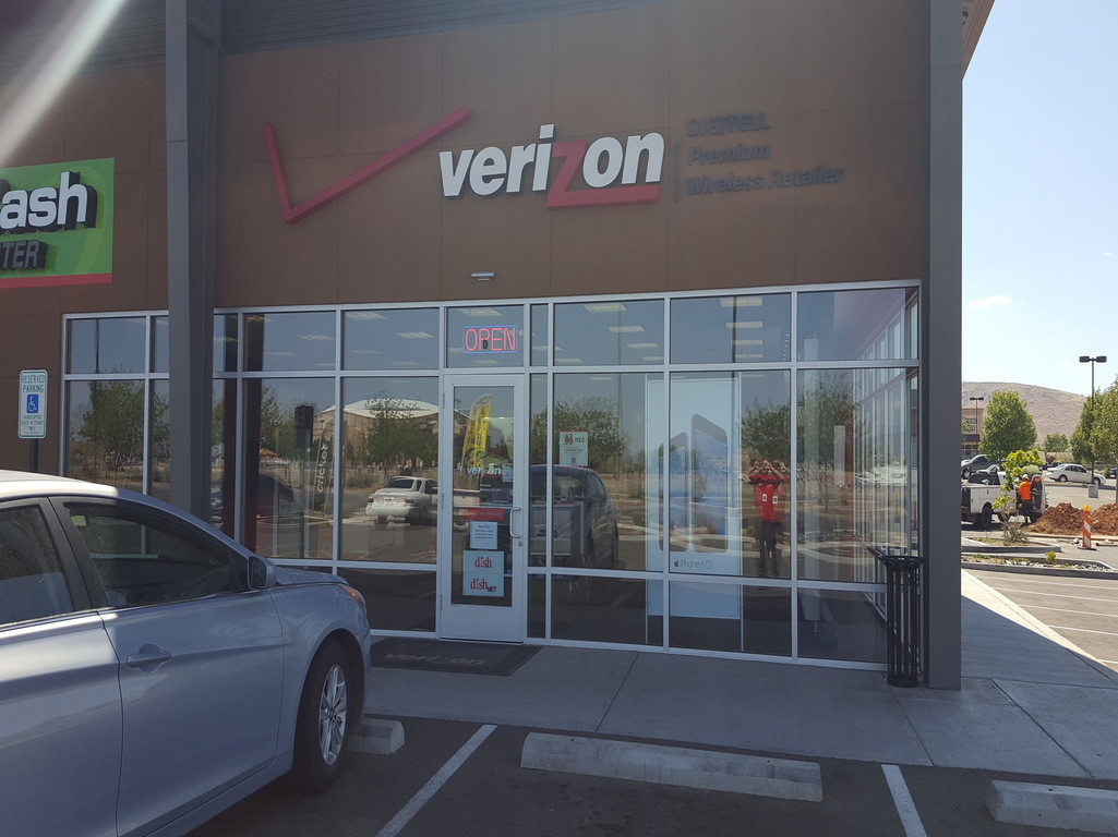 Verizon Authorized Retailer, TCC image 11
