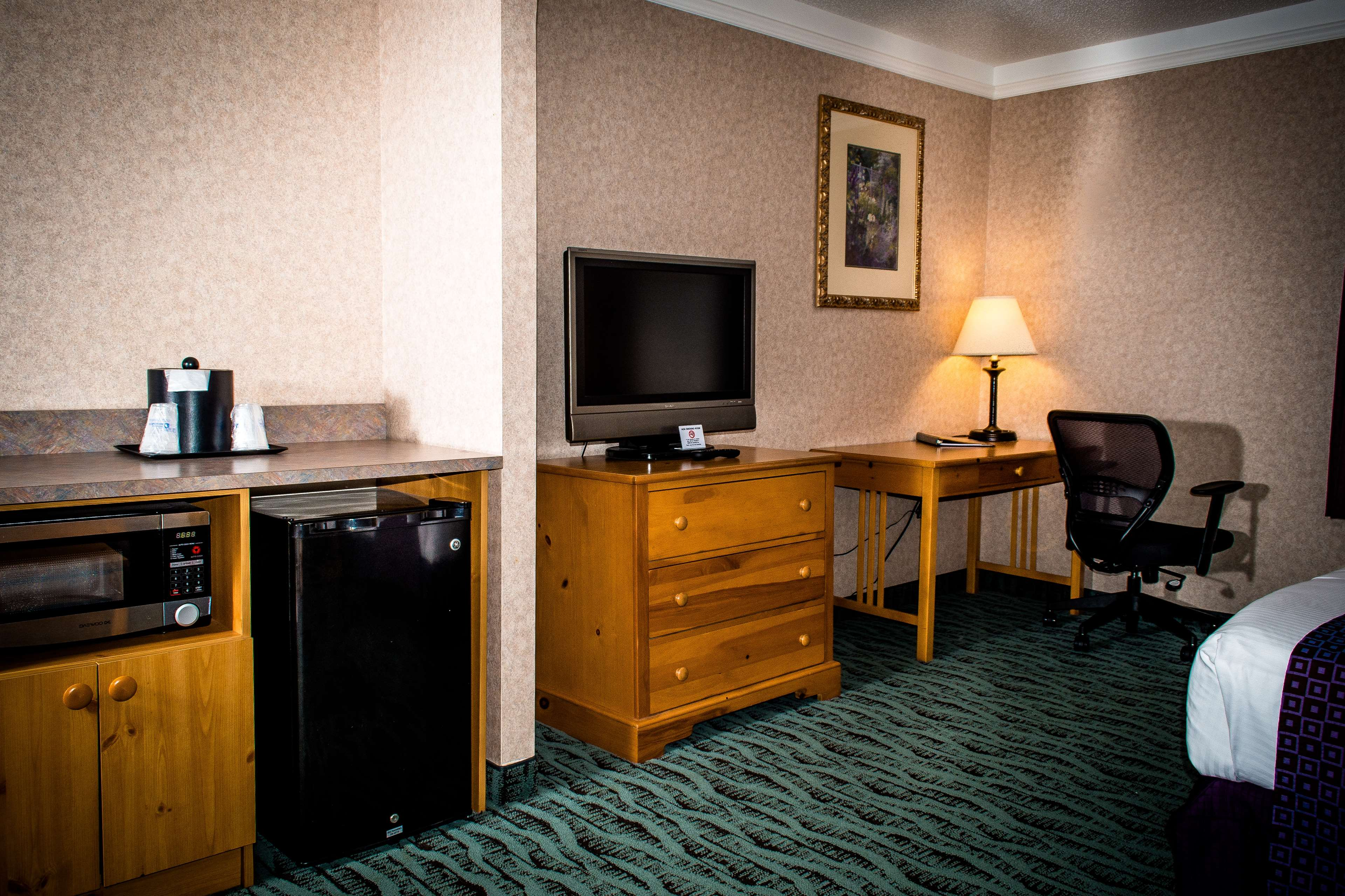 Best Western Plus Executive Court Inn & Conference Center image 35