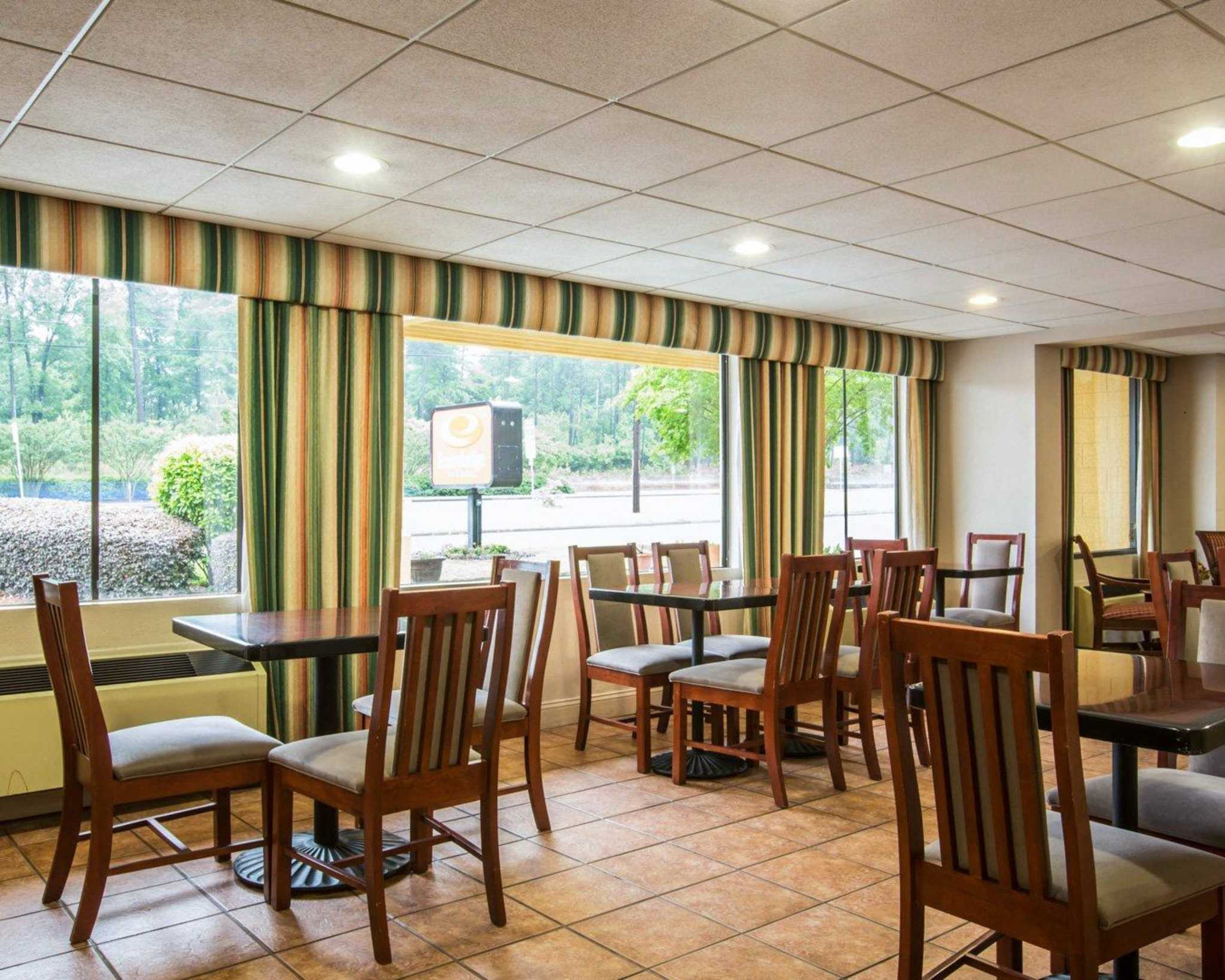 Econo Lodge Inn & Suites at Fort Benning image 24